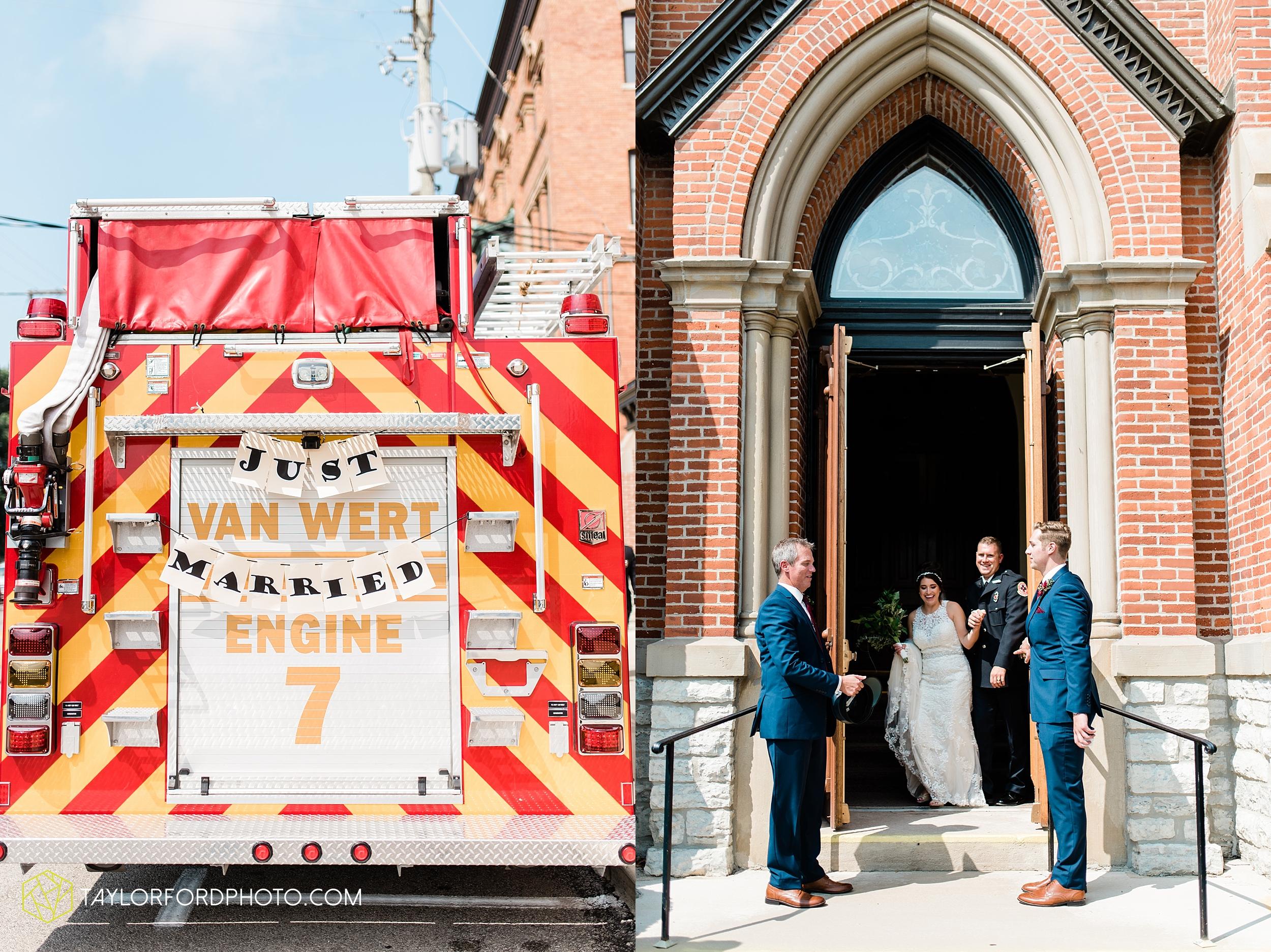 van-wert-ohio-first-united-methodist-church-county-dairy-barn-wedding-photographer-taylor-ford-photography_9837.jpg