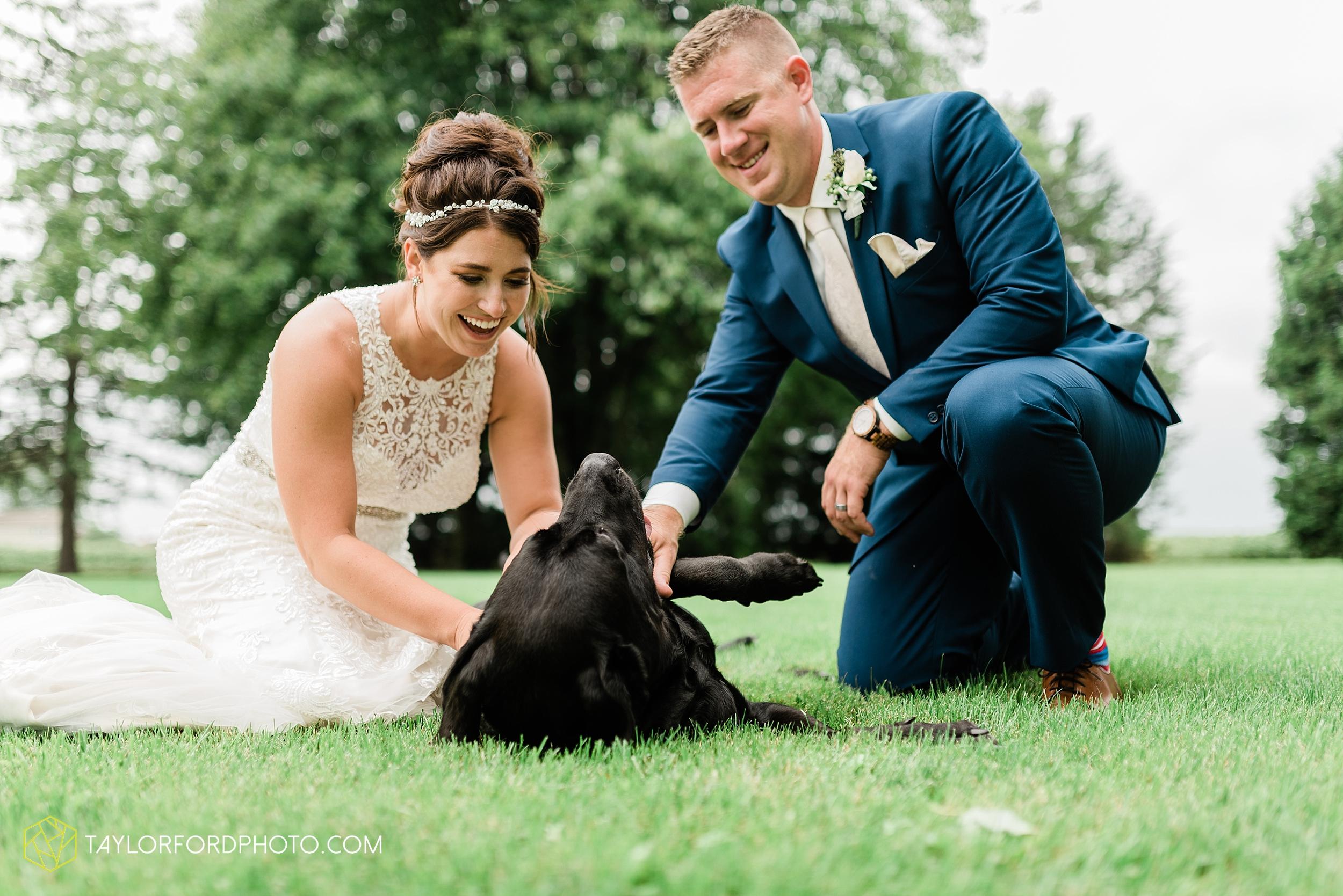 van-wert-ohio-first-united-methodist-church-county-dairy-barn-wedding-photographer-taylor-ford-photography_9860.jpg