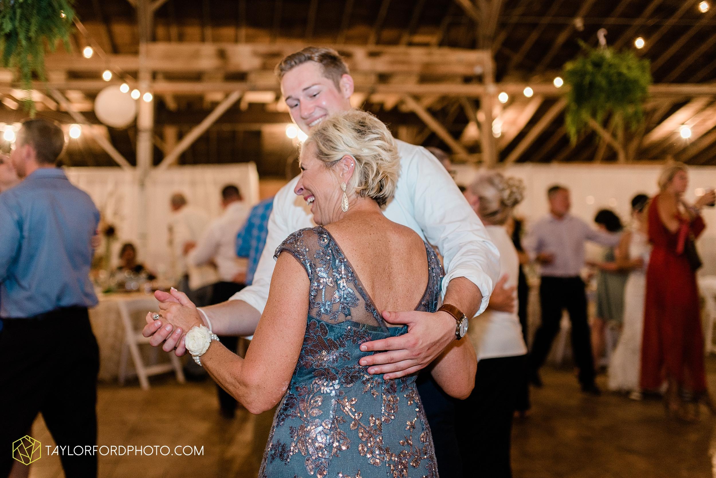 van-wert-ohio-first-united-methodist-church-county-dairy-barn-wedding-photographer-taylor-ford-photography_9882.jpg