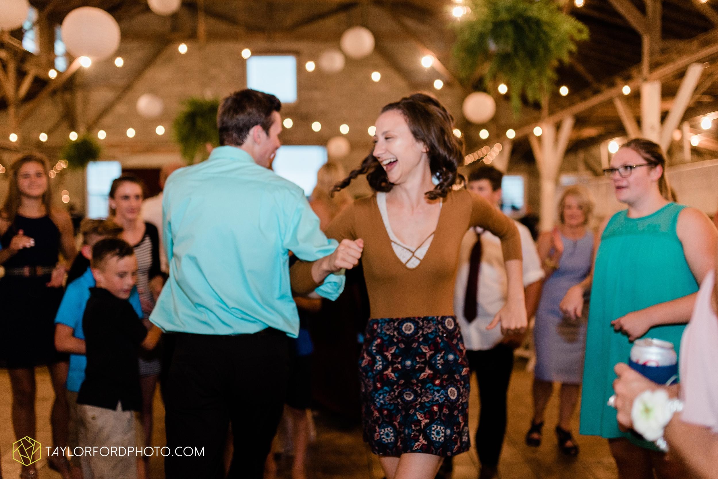 van-wert-ohio-first-united-methodist-church-county-dairy-barn-wedding-photographer-taylor-ford-photography_9887.jpg
