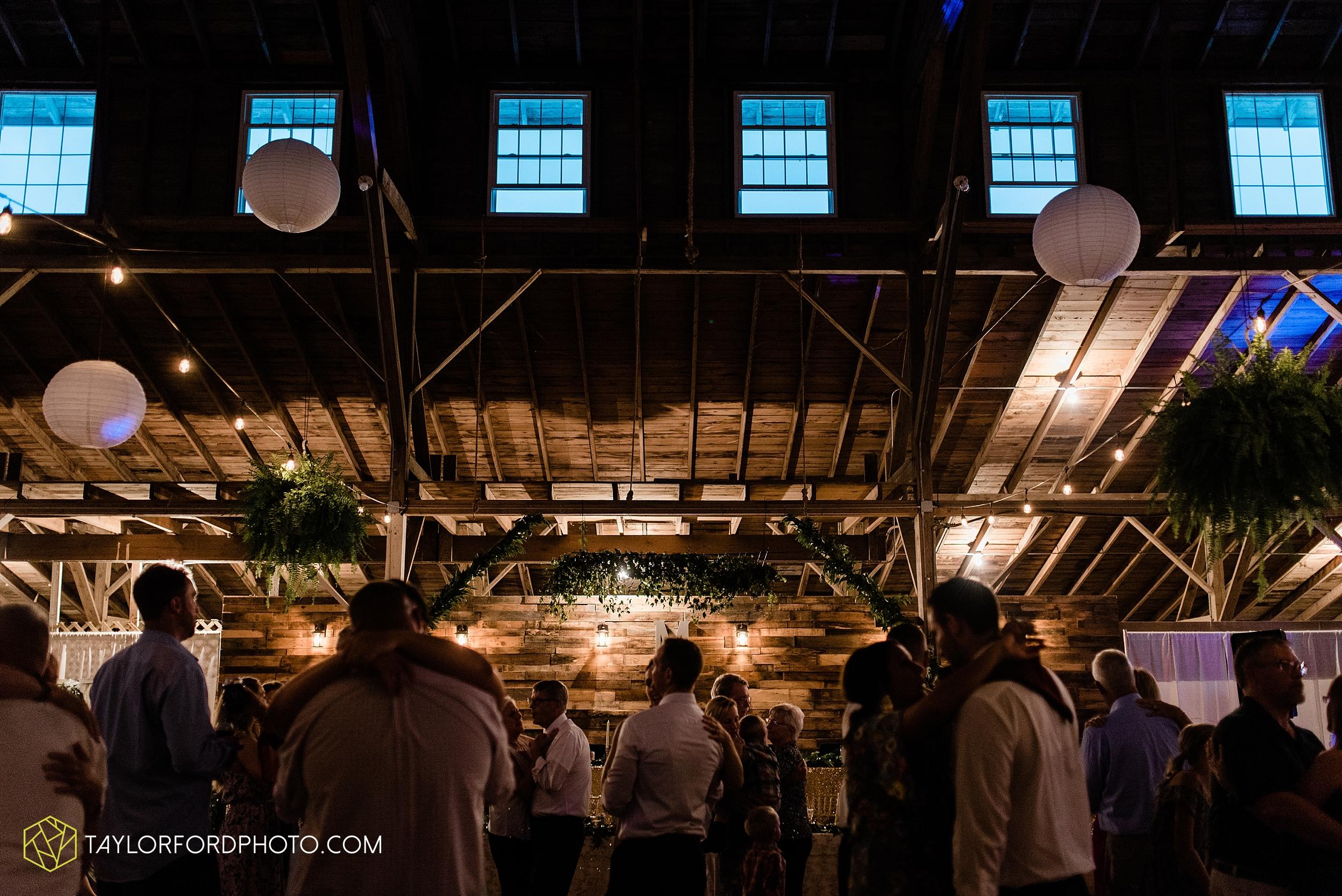 van-wert-ohio-first-united-methodist-church-county-dairy-barn-wedding-photographer-taylor-ford-photography_9888.jpg