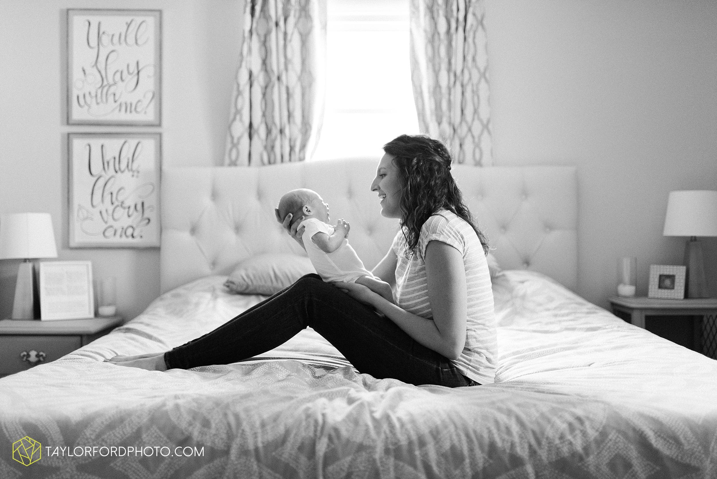 indoor-at-home-nursery-marshall-michigan-family-newborn-photographer-taylor-ford-photography_9969.jpg