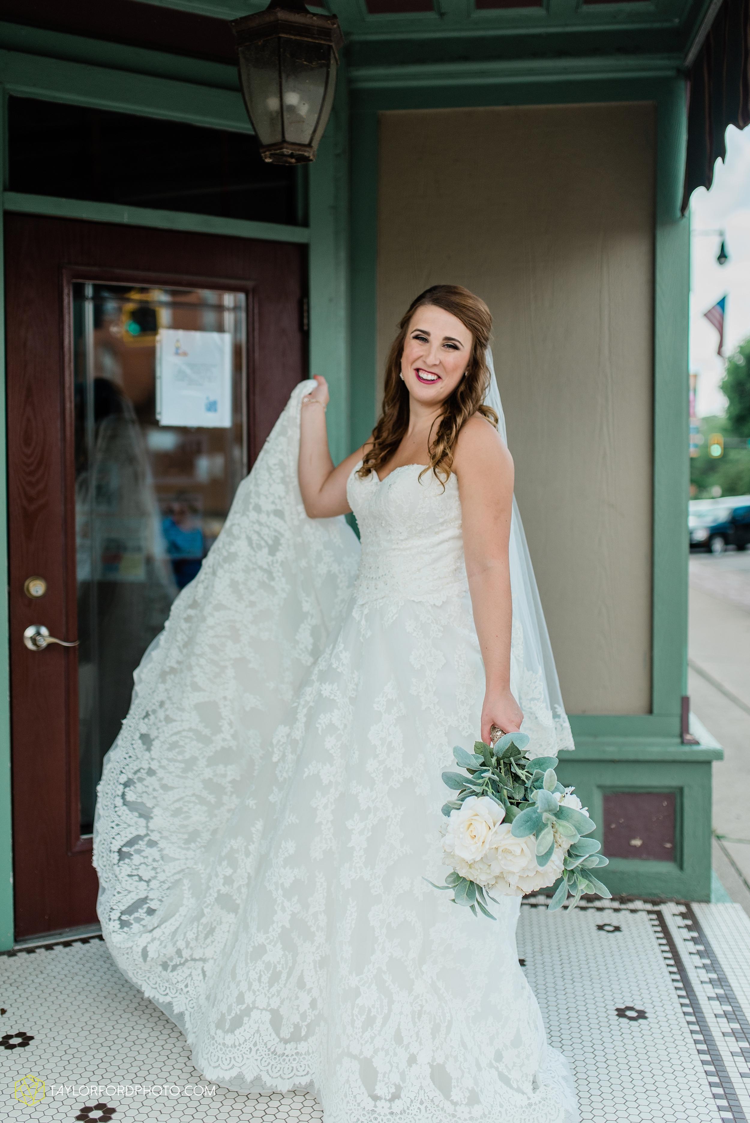 chelsey-zosh-jackson-young-first-united-methodist-church-senior-center-van-wert-ohio-wedding-photographer-taylor-ford-photography_0059.jpg