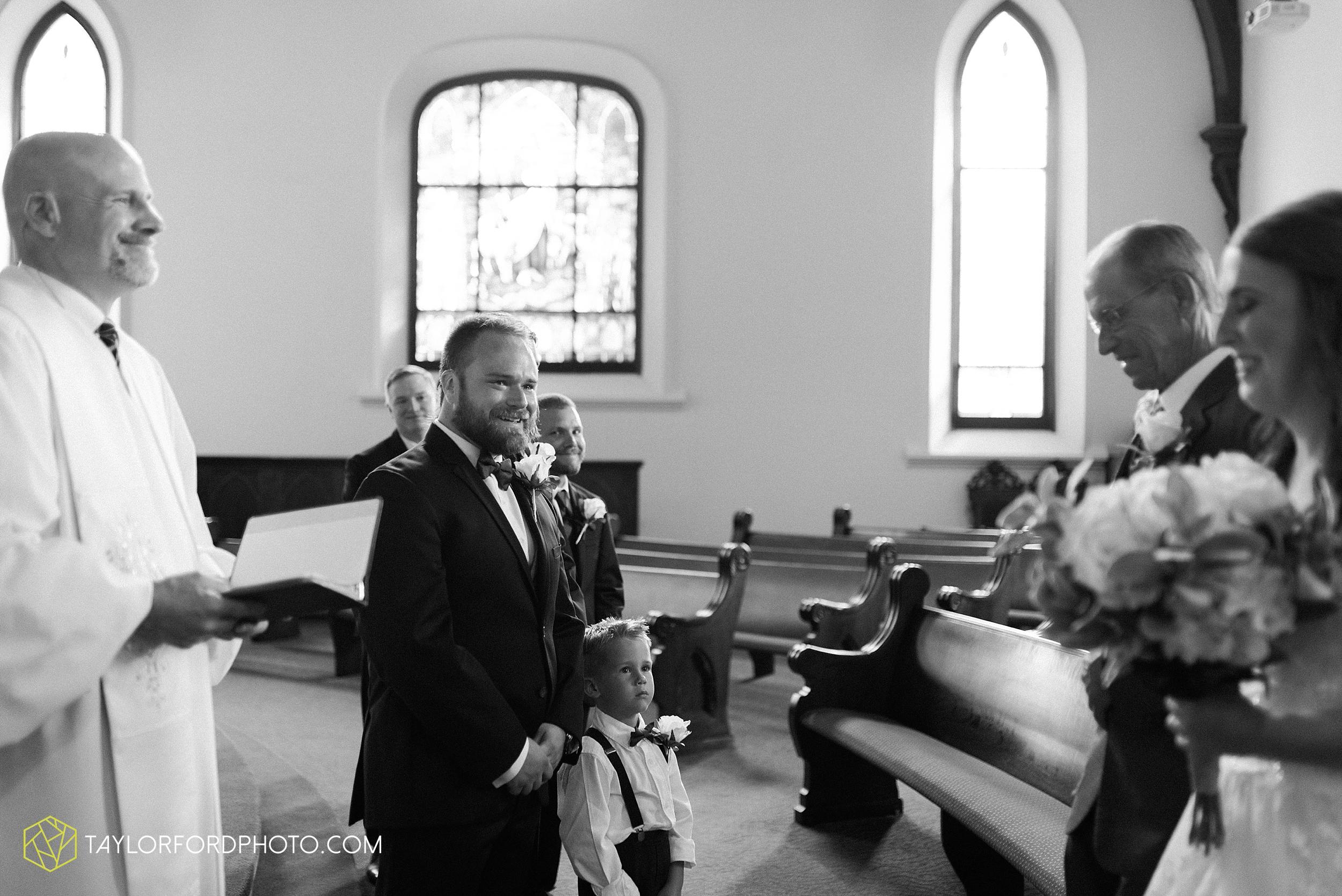 chelsey-zosh-jackson-young-first-united-methodist-church-senior-center-van-wert-ohio-wedding-photographer-taylor-ford-photography_0071.jpg