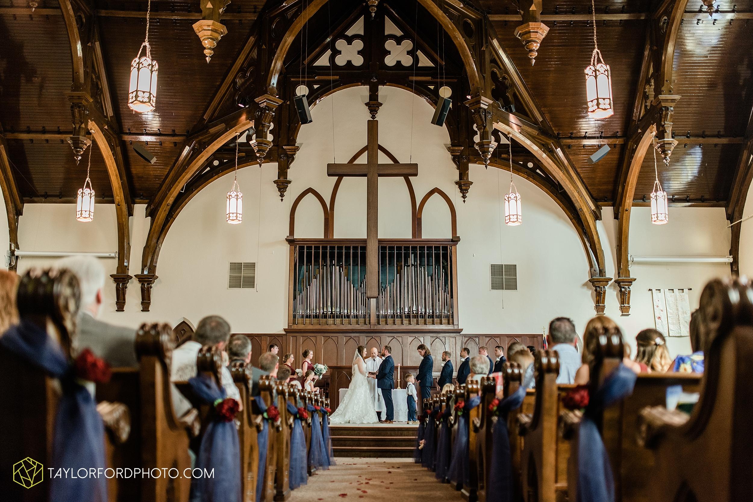 chelsey-zosh-jackson-young-first-united-methodist-church-senior-center-van-wert-ohio-wedding-photographer-taylor-ford-photography_0072.jpg