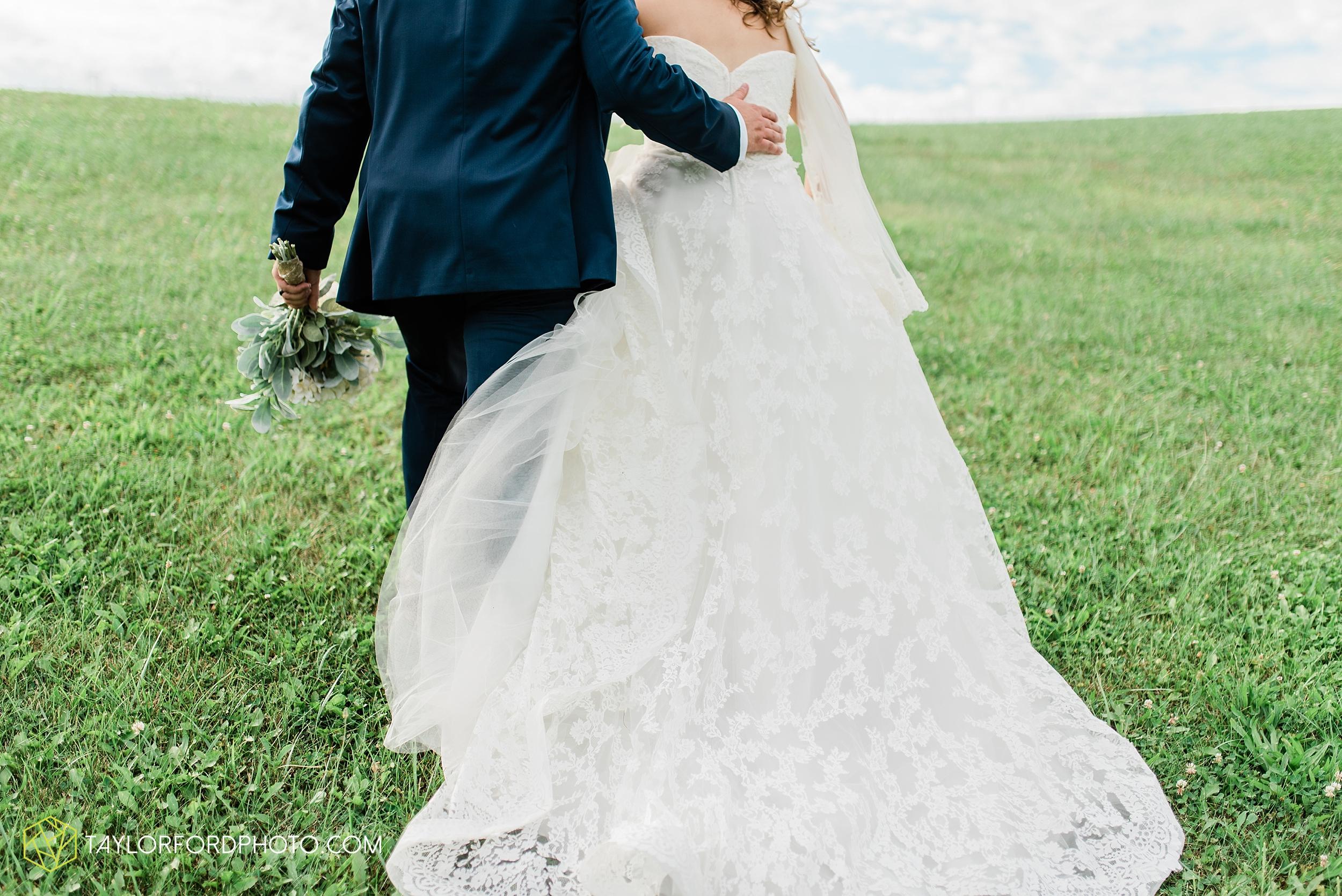 chelsey-zosh-jackson-young-first-united-methodist-church-senior-center-van-wert-ohio-wedding-photographer-taylor-ford-photography_0086.jpg