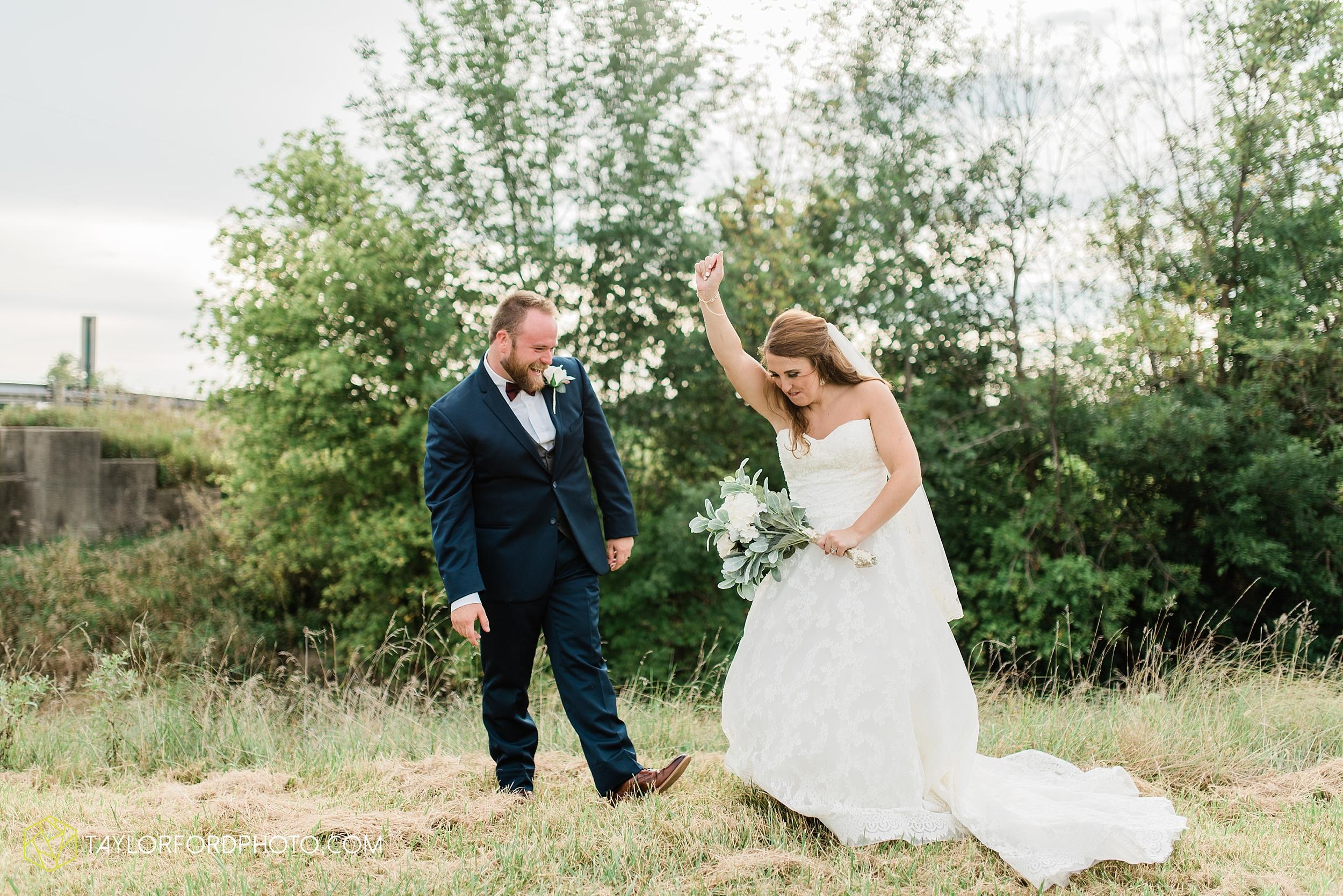 chelsey-zosh-jackson-young-first-united-methodist-church-senior-center-van-wert-ohio-wedding-photographer-taylor-ford-photography_0091.jpg