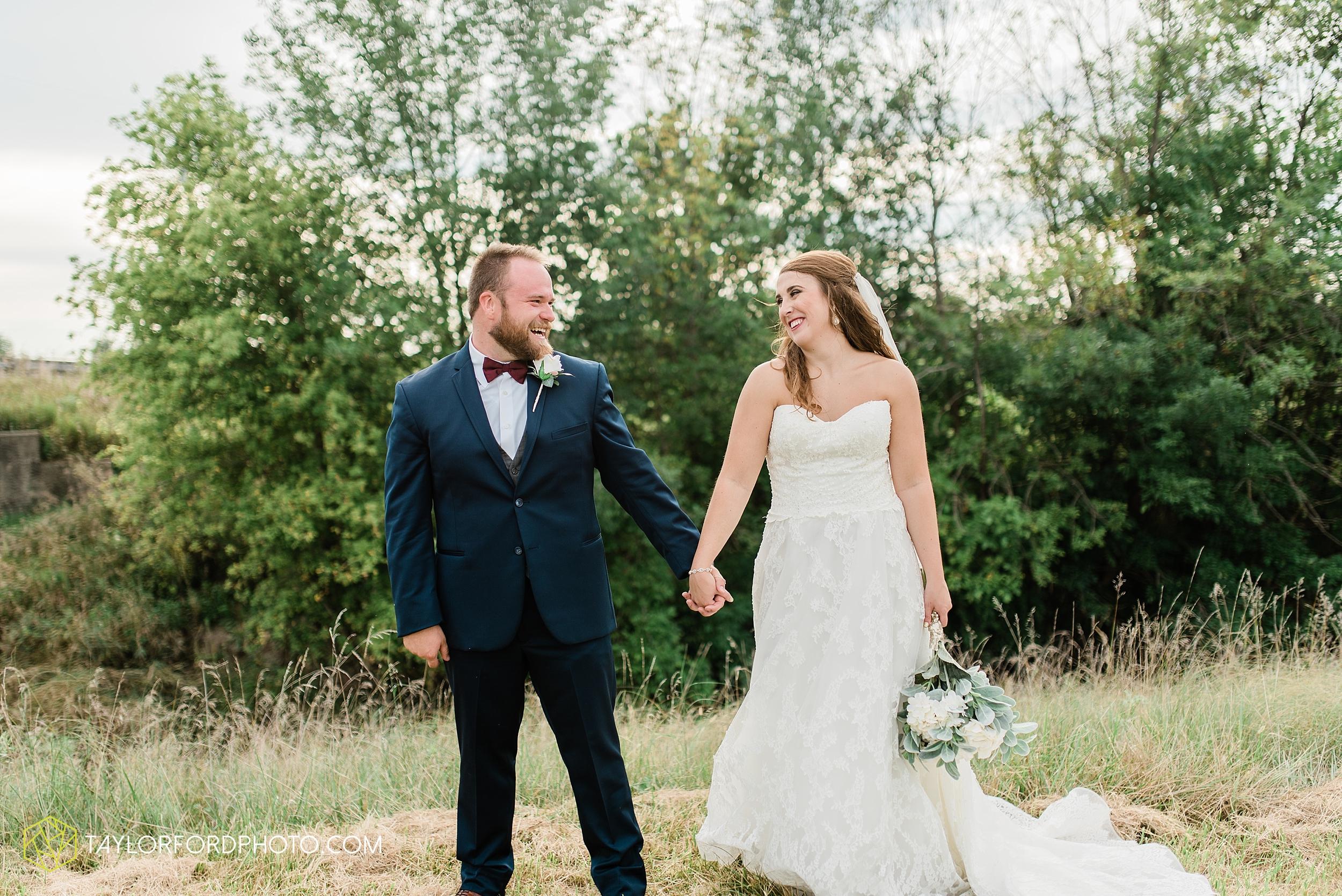 chelsey-zosh-jackson-young-first-united-methodist-church-senior-center-van-wert-ohio-wedding-photographer-taylor-ford-photography_0094.jpg