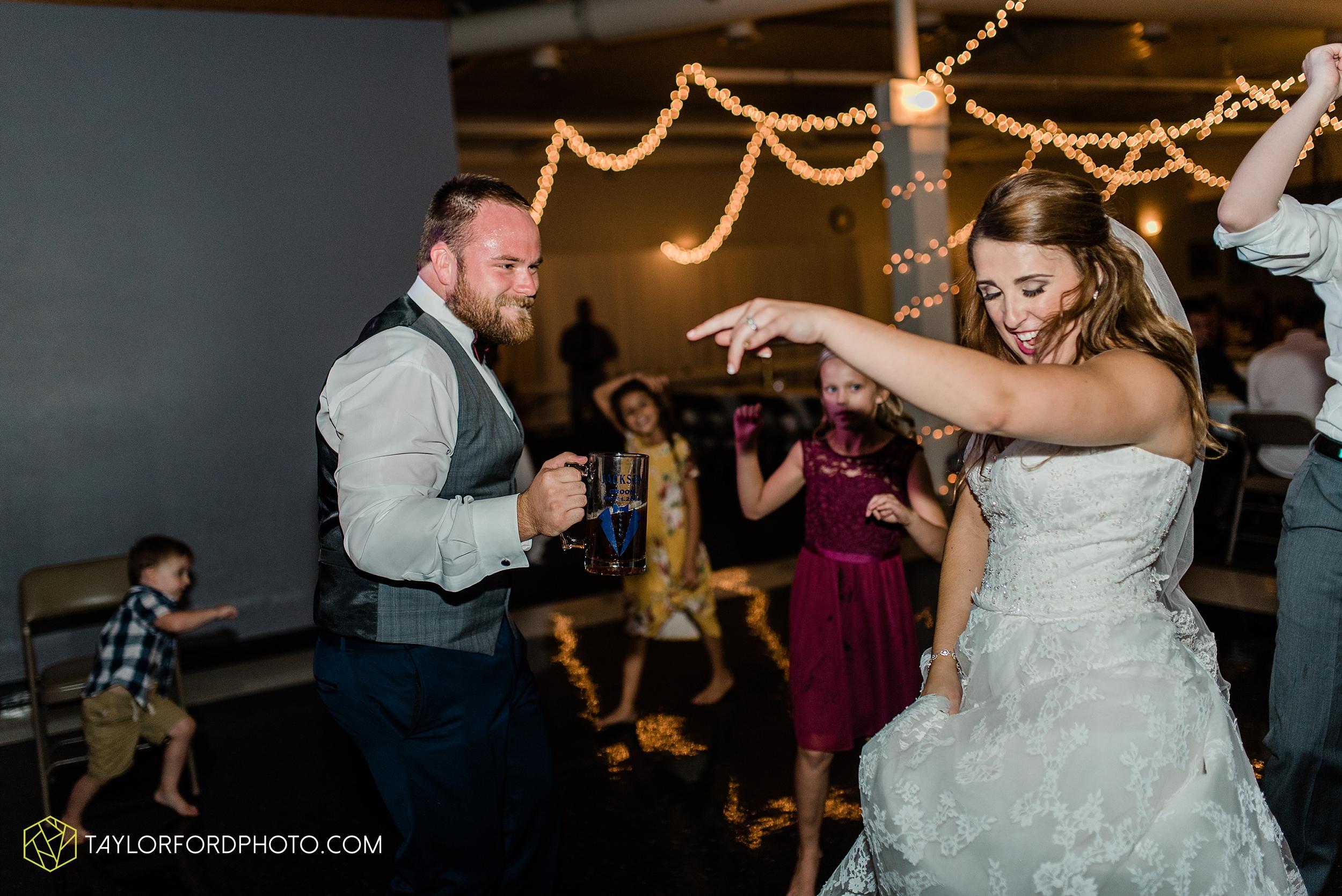 chelsey-zosh-jackson-young-first-united-methodist-church-senior-center-van-wert-ohio-wedding-photographer-taylor-ford-photography_0107.jpg