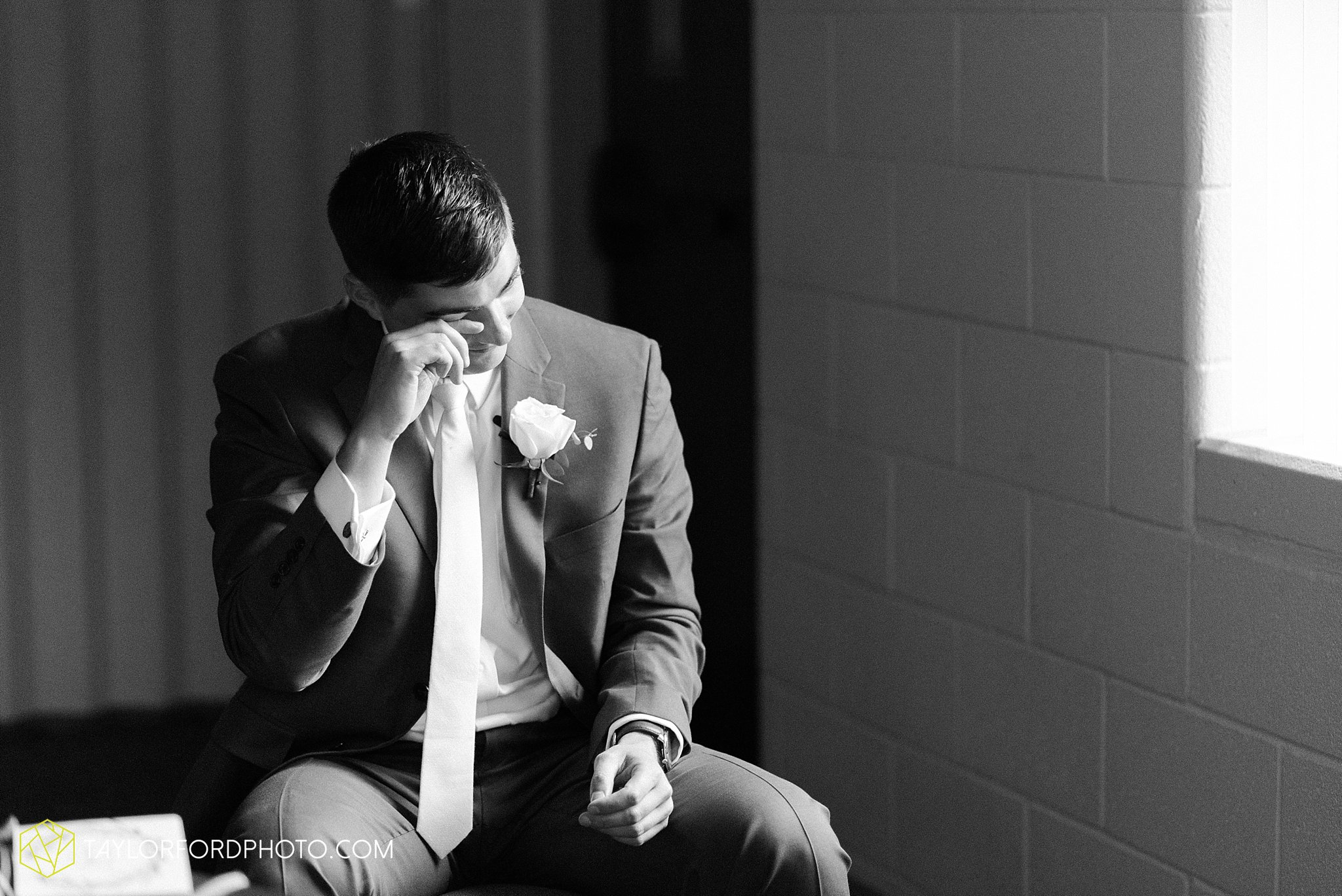 kacee-haden-sholl-second-story-saint-marys-knights-of-columbus-defiance-ohio-wedding-photographer-taylor-ford-photography_0140.jpg