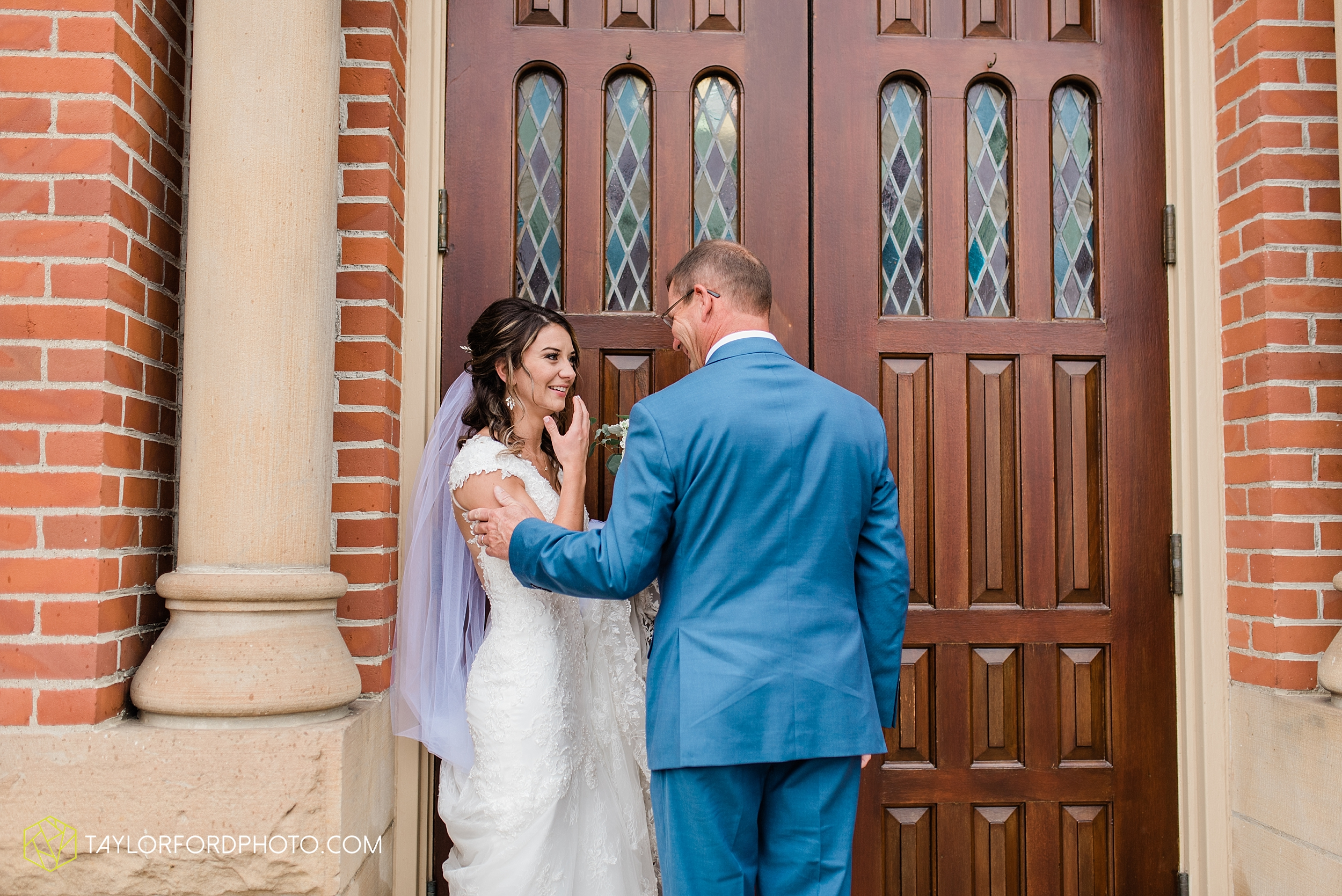 kacee-haden-sholl-second-story-saint-marys-knights-of-columbus-defiance-ohio-wedding-photographer-taylor-ford-photography_0147.jpg