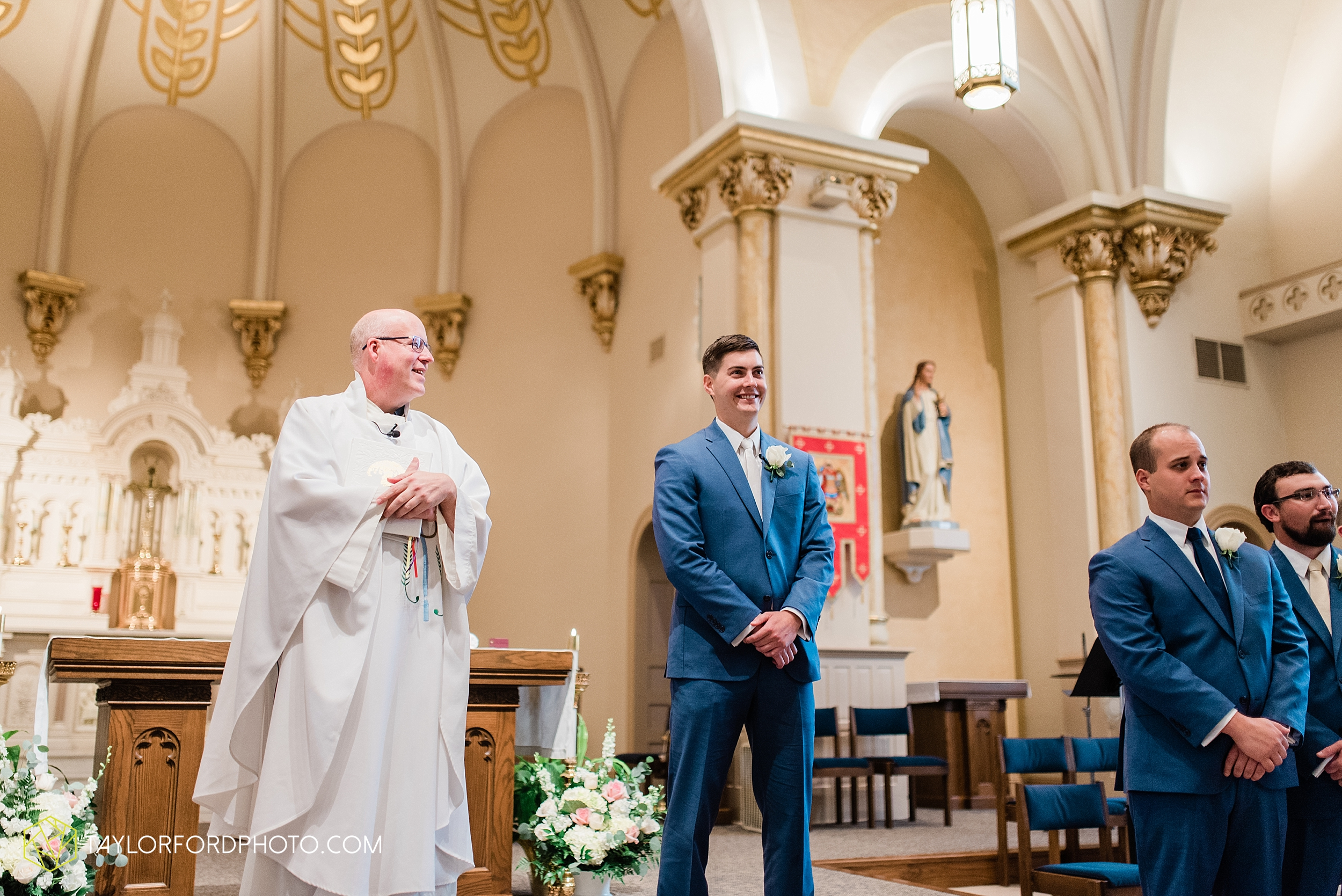 kacee-haden-sholl-second-story-saint-marys-knights-of-columbus-defiance-ohio-wedding-photographer-taylor-ford-photography_0149.jpg