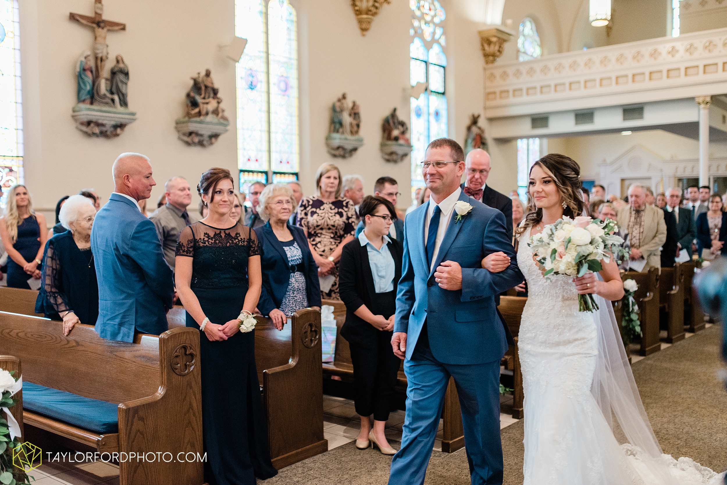 kacee-haden-sholl-second-story-saint-marys-knights-of-columbus-defiance-ohio-wedding-photographer-taylor-ford-photography_0151.jpg
