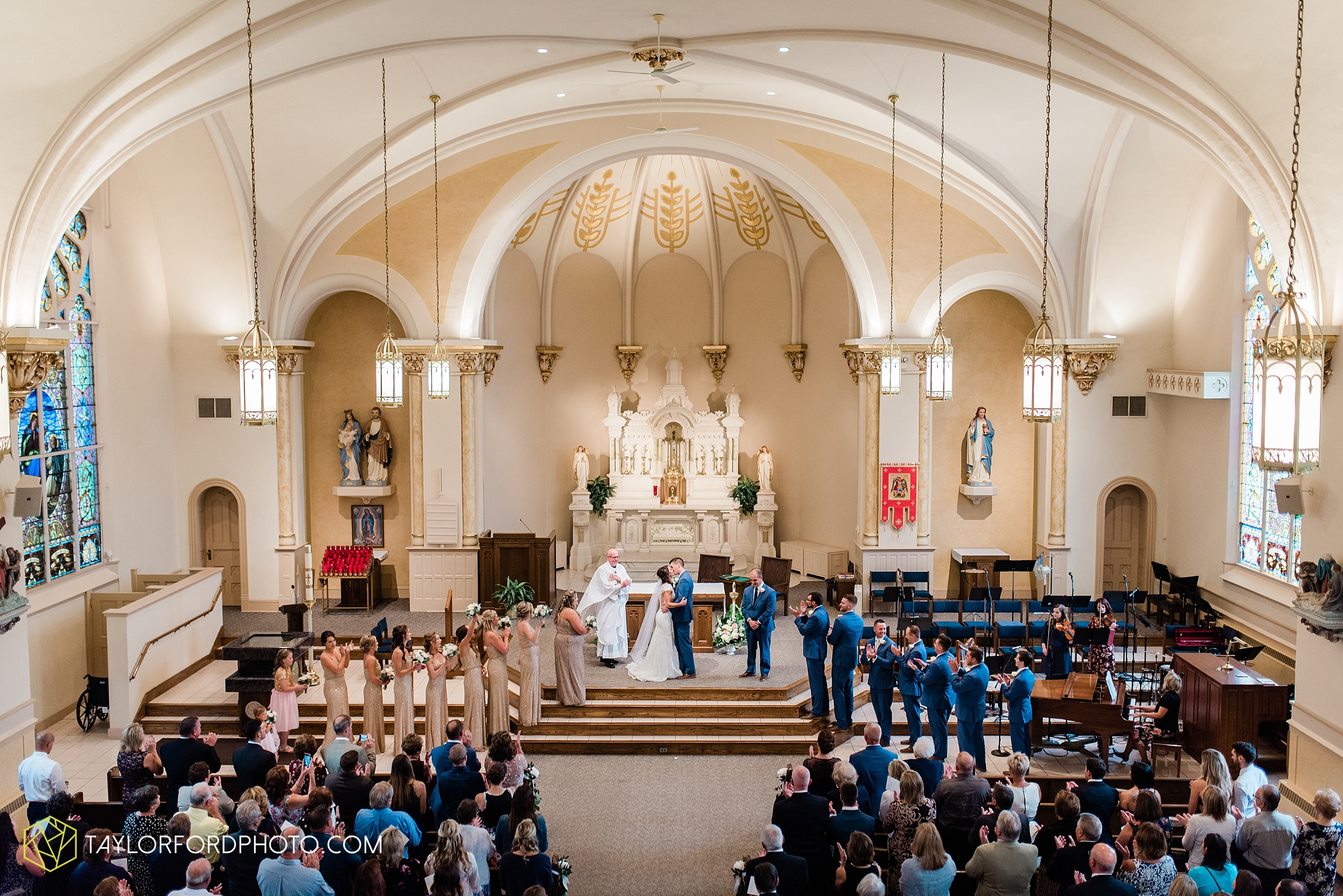 kacee-haden-sholl-second-story-saint-marys-knights-of-columbus-defiance-ohio-wedding-photographer-taylor-ford-photography_0156.jpg