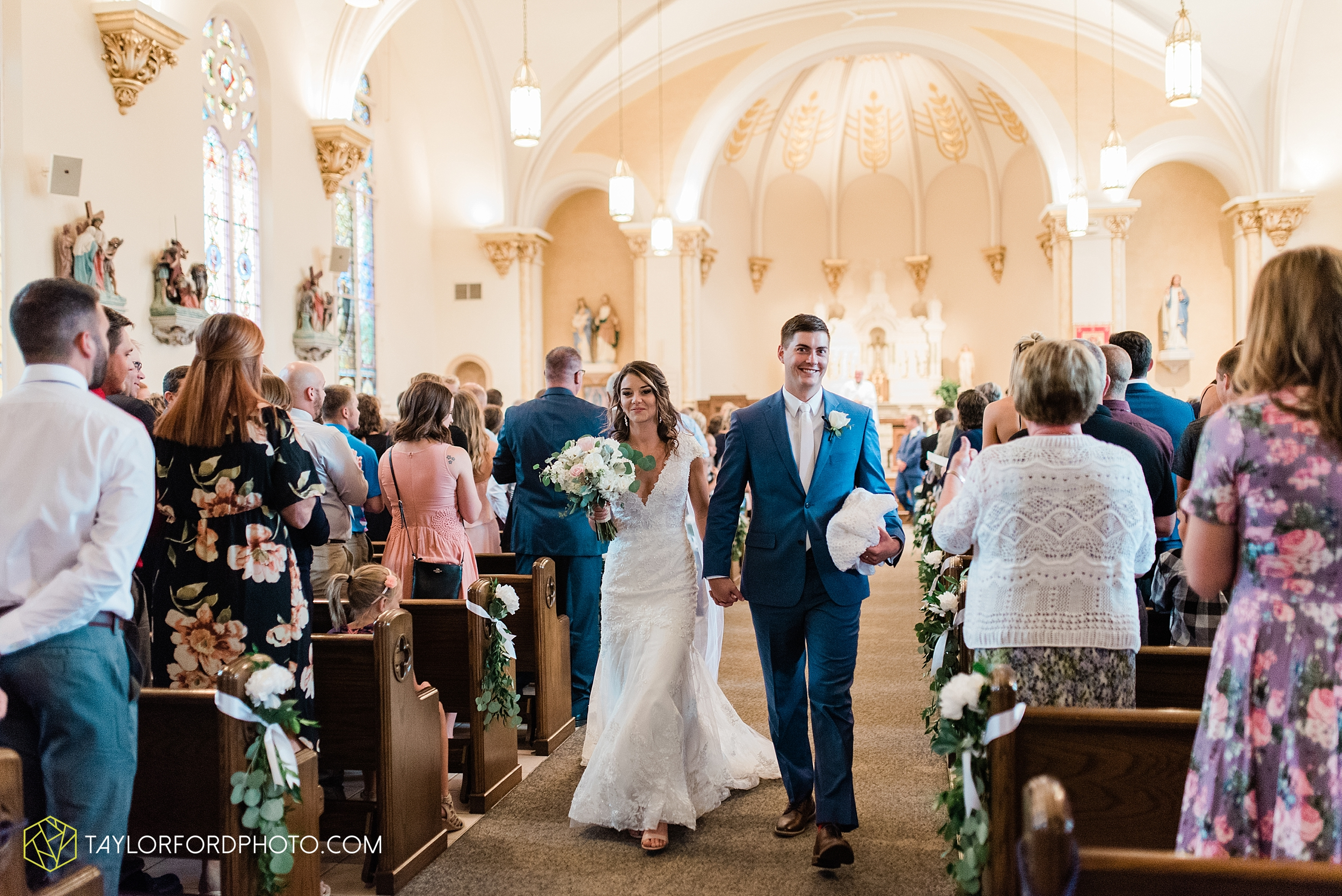 kacee-haden-sholl-second-story-saint-marys-knights-of-columbus-defiance-ohio-wedding-photographer-taylor-ford-photography_0158.jpg