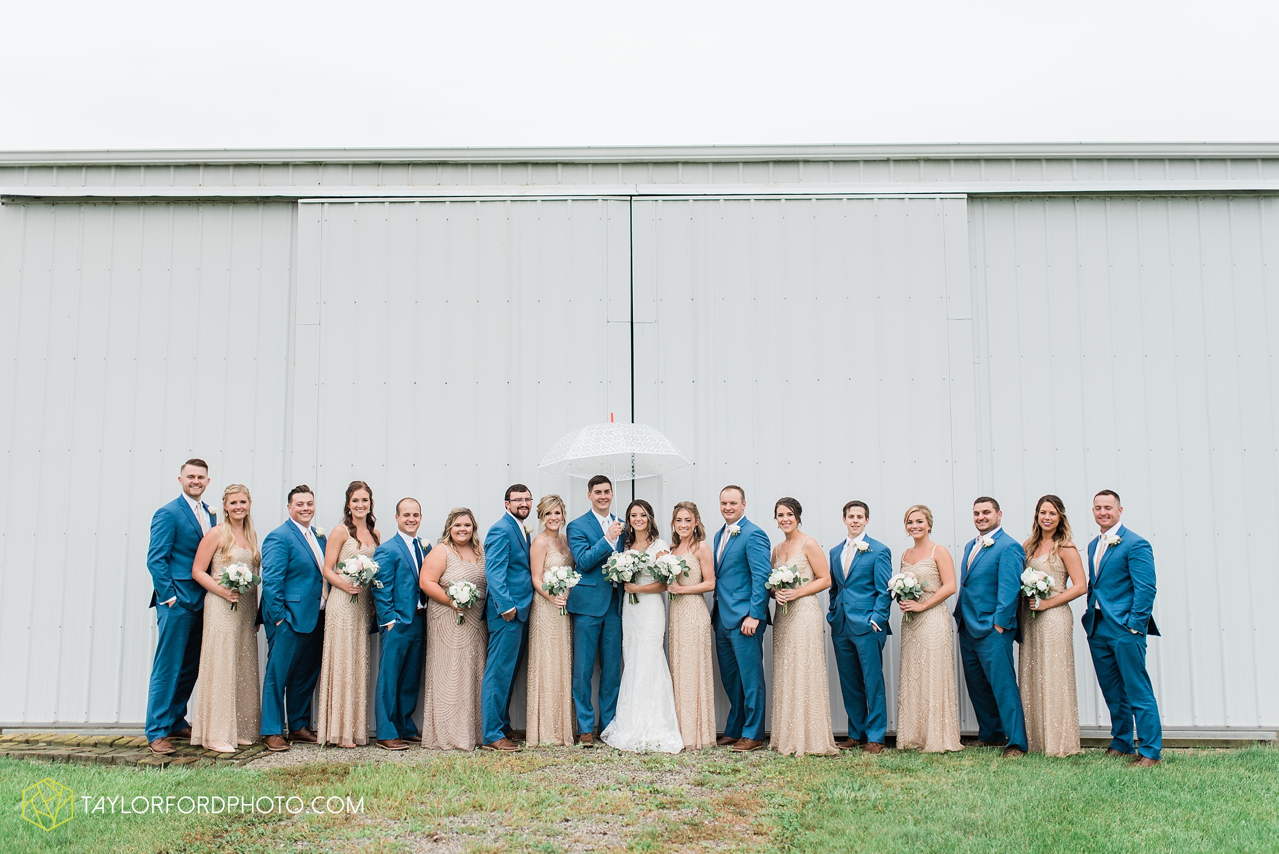 kacee-haden-sholl-second-story-saint-marys-knights-of-columbus-defiance-ohio-wedding-photographer-taylor-ford-photography_0162.jpg
