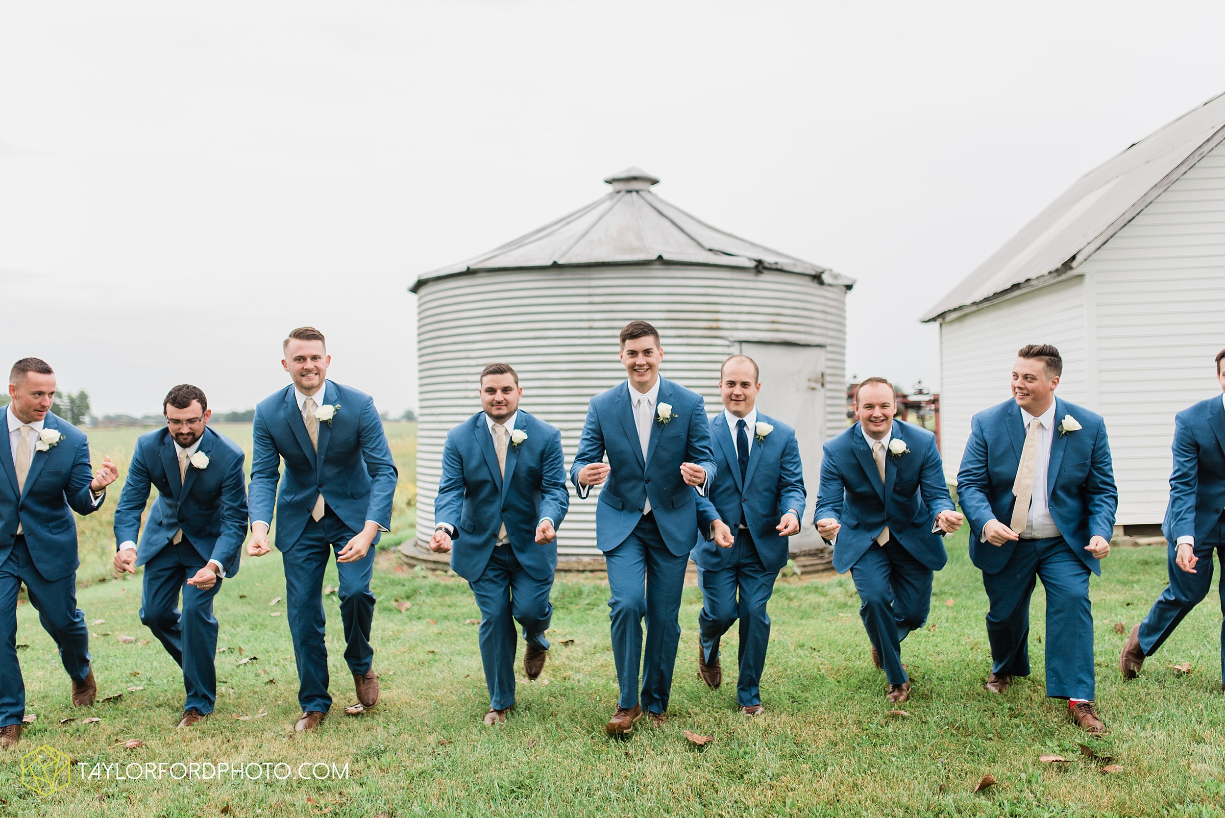 kacee-haden-sholl-second-story-saint-marys-knights-of-columbus-defiance-ohio-wedding-photographer-taylor-ford-photography_0169.jpg