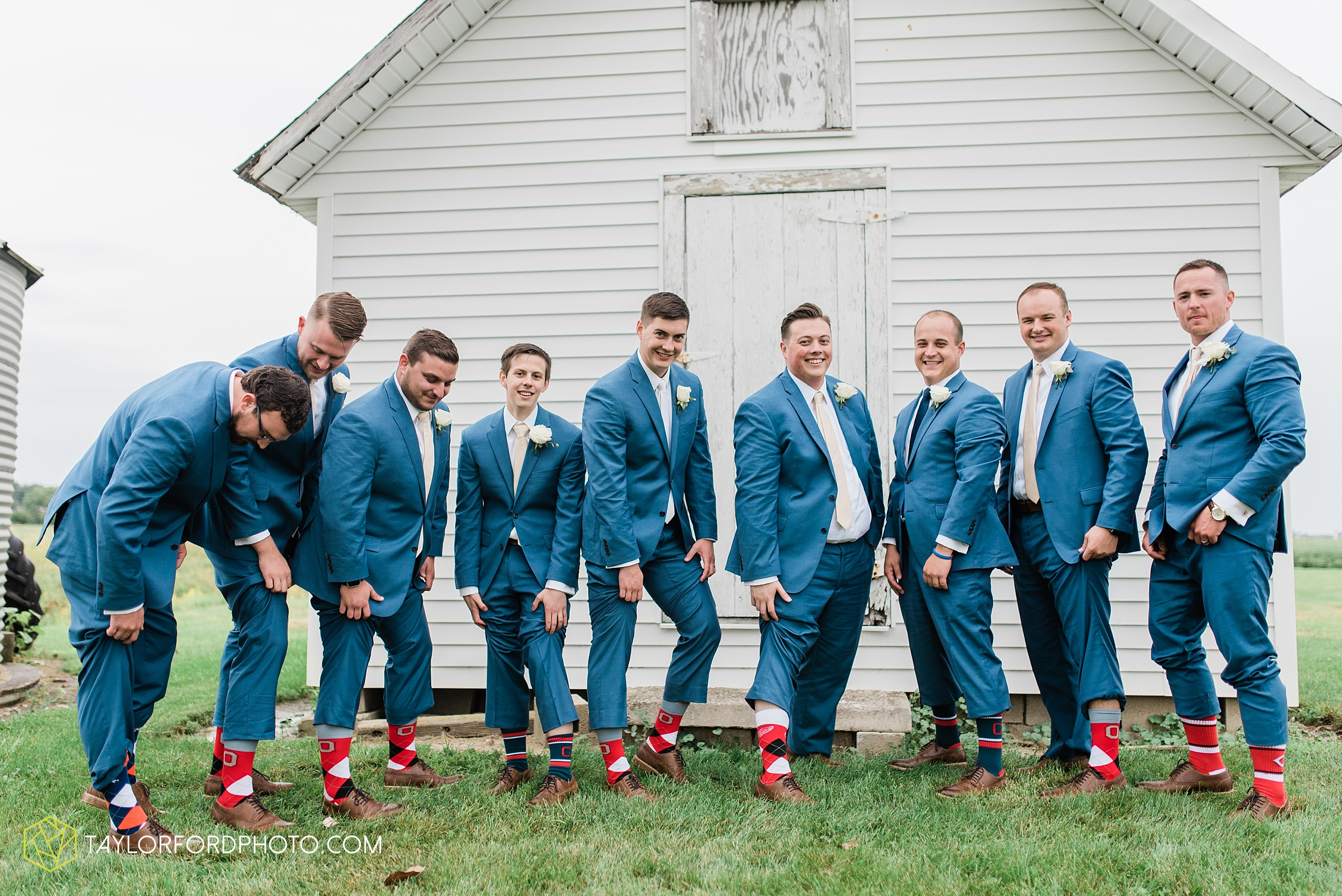 kacee-haden-sholl-second-story-saint-marys-knights-of-columbus-defiance-ohio-wedding-photographer-taylor-ford-photography_0172.jpg
