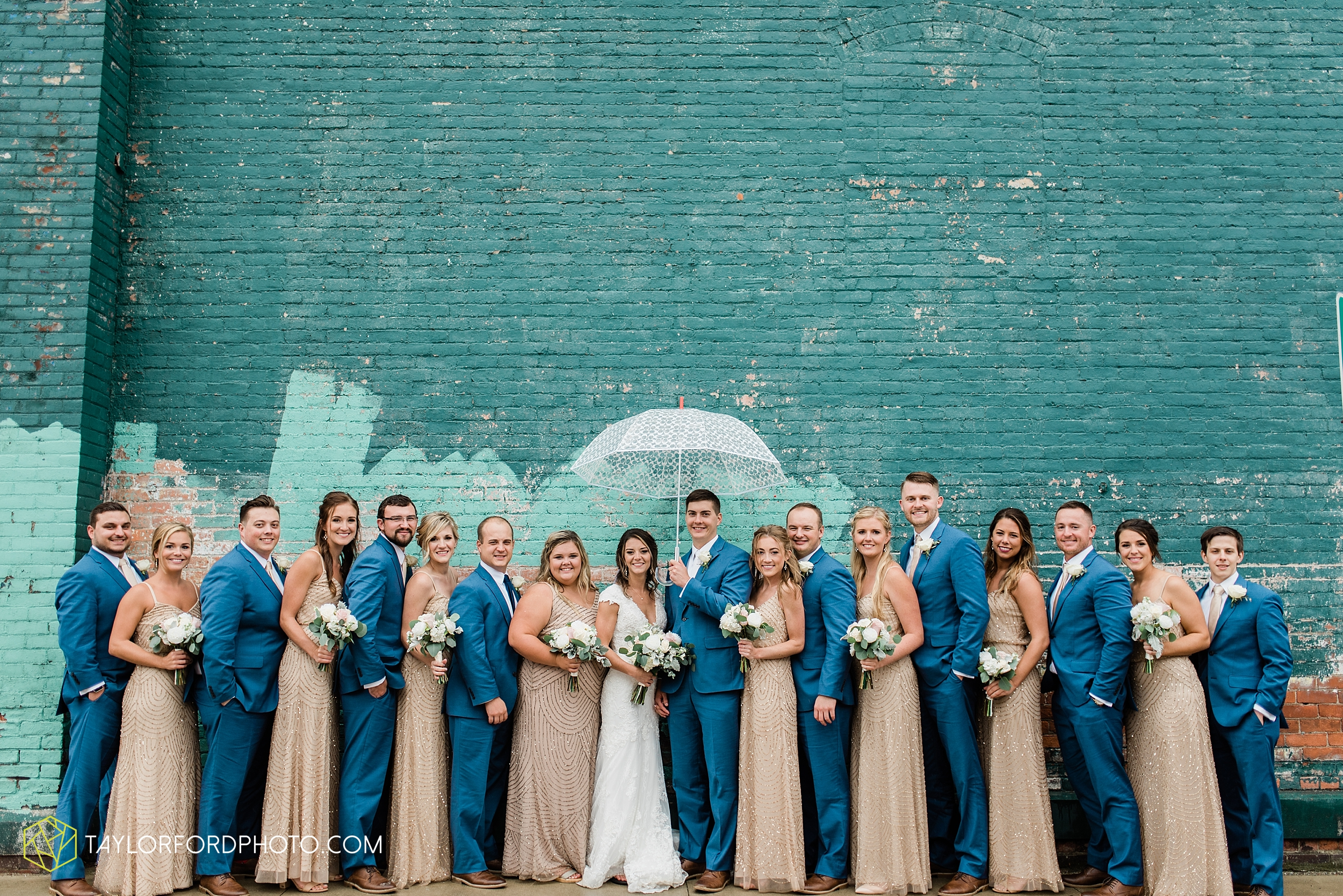 kacee-haden-sholl-second-story-saint-marys-knights-of-columbus-defiance-ohio-wedding-photographer-taylor-ford-photography_0183.jpg