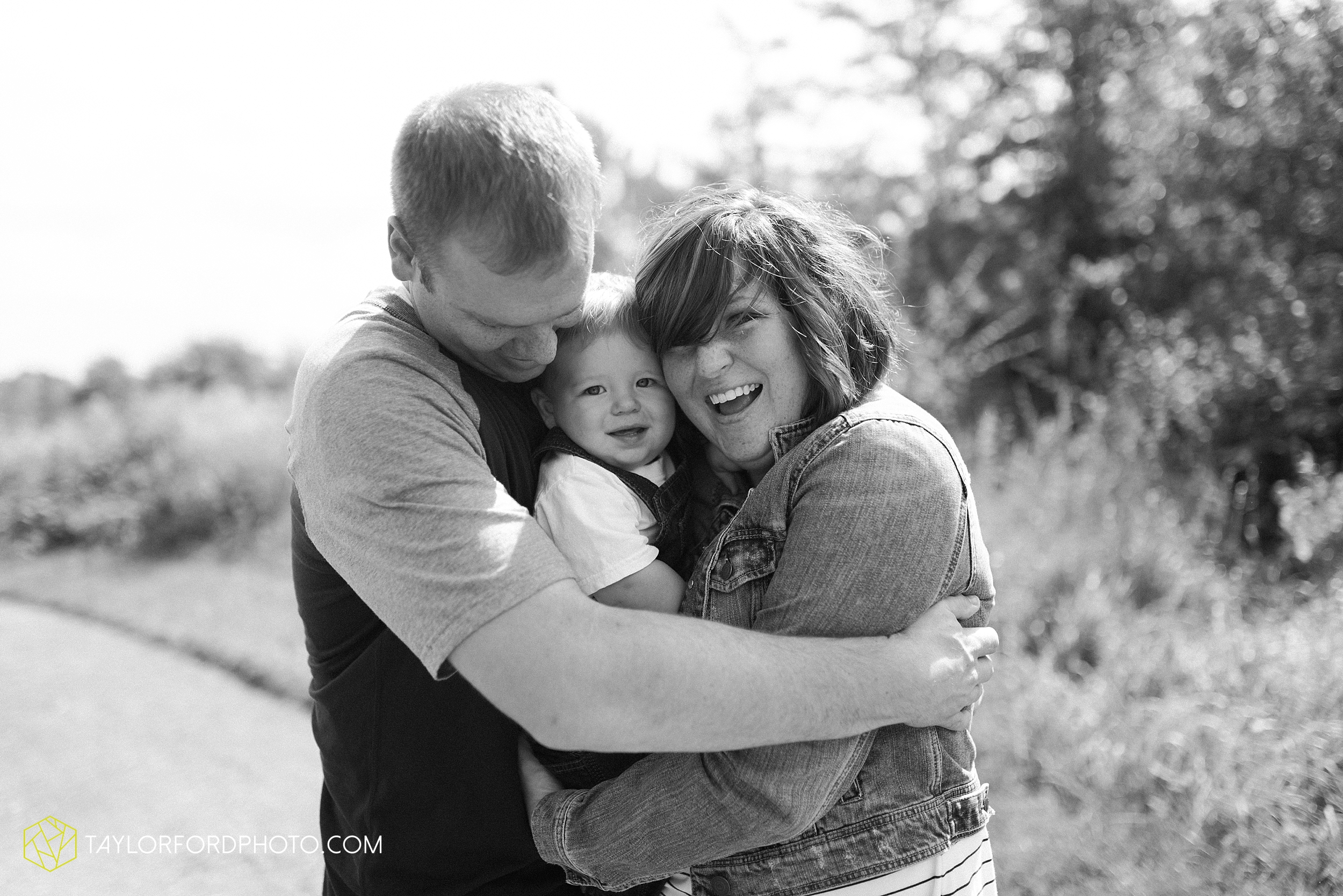 van-wert-ohio-newborn-lifestyle-family-one-year-photographer-taylor-ford-photography_0334.jpg