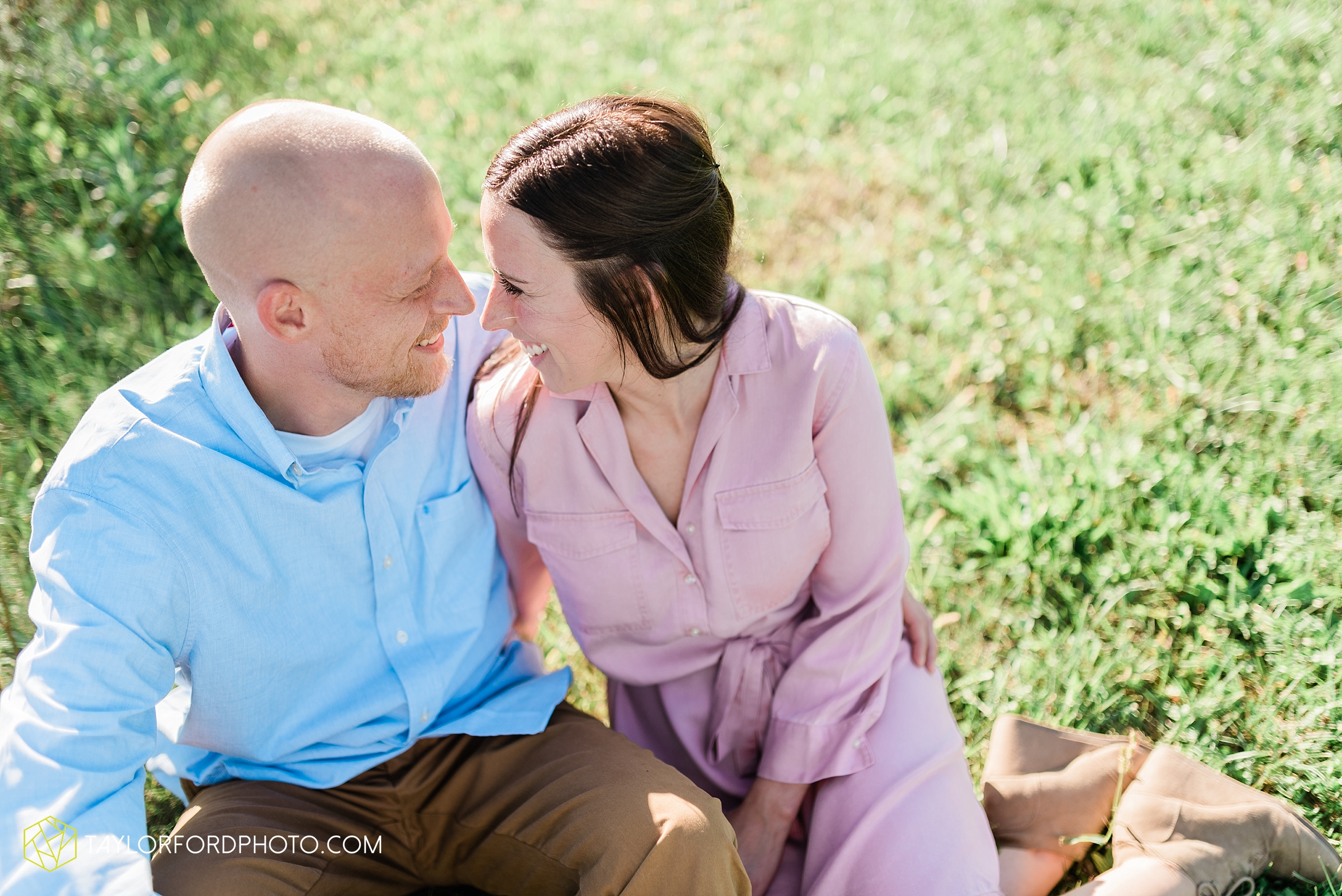 van-wert-ohio-late-summer-engagement-photographer-taylor-ford-photography_0343.jpg
