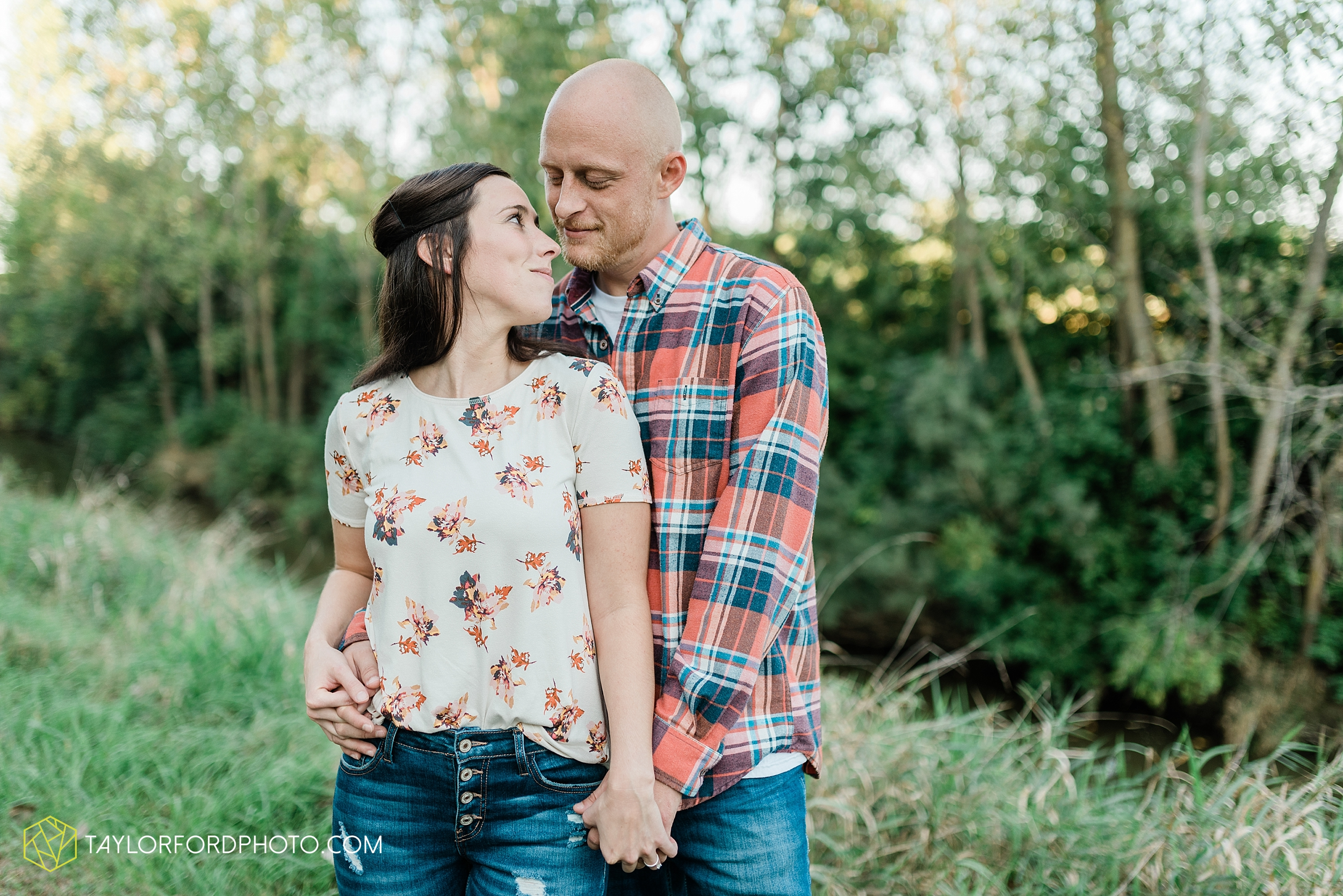 van-wert-ohio-late-summer-engagement-photographer-taylor-ford-photography_0349.jpg
