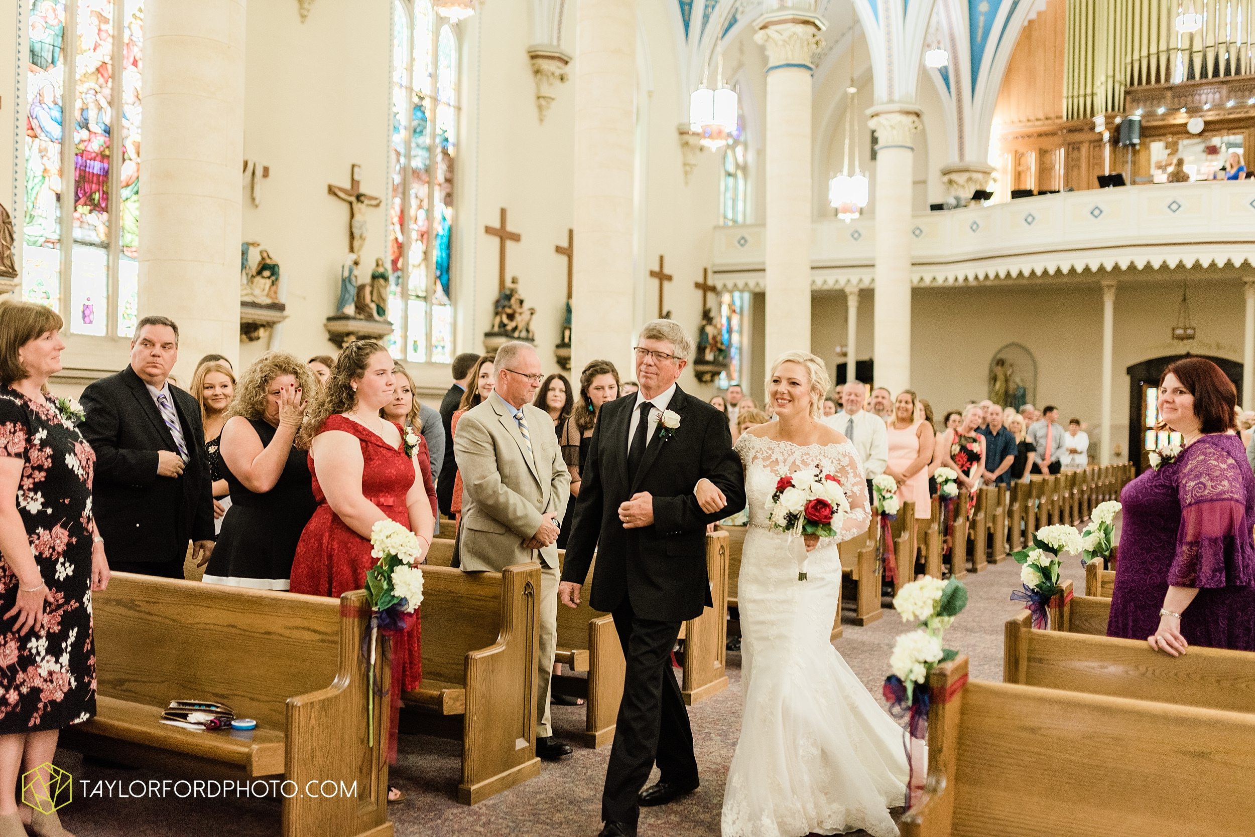 gayle-rayman-mike-steele-ottoville-ohio-wedding-immaculate-conception-parish-center-wedding-sycamore-lake-winery-wannamachers-photographer-taylor-ford-photography_0391.jpg