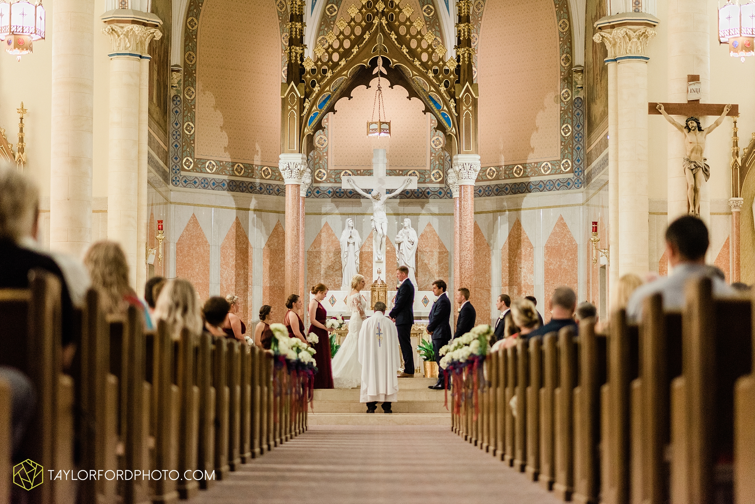 gayle-rayman-mike-steele-ottoville-ohio-wedding-immaculate-conception-parish-center-wedding-sycamore-lake-winery-wannamachers-photographer-taylor-ford-photography_0396.jpg