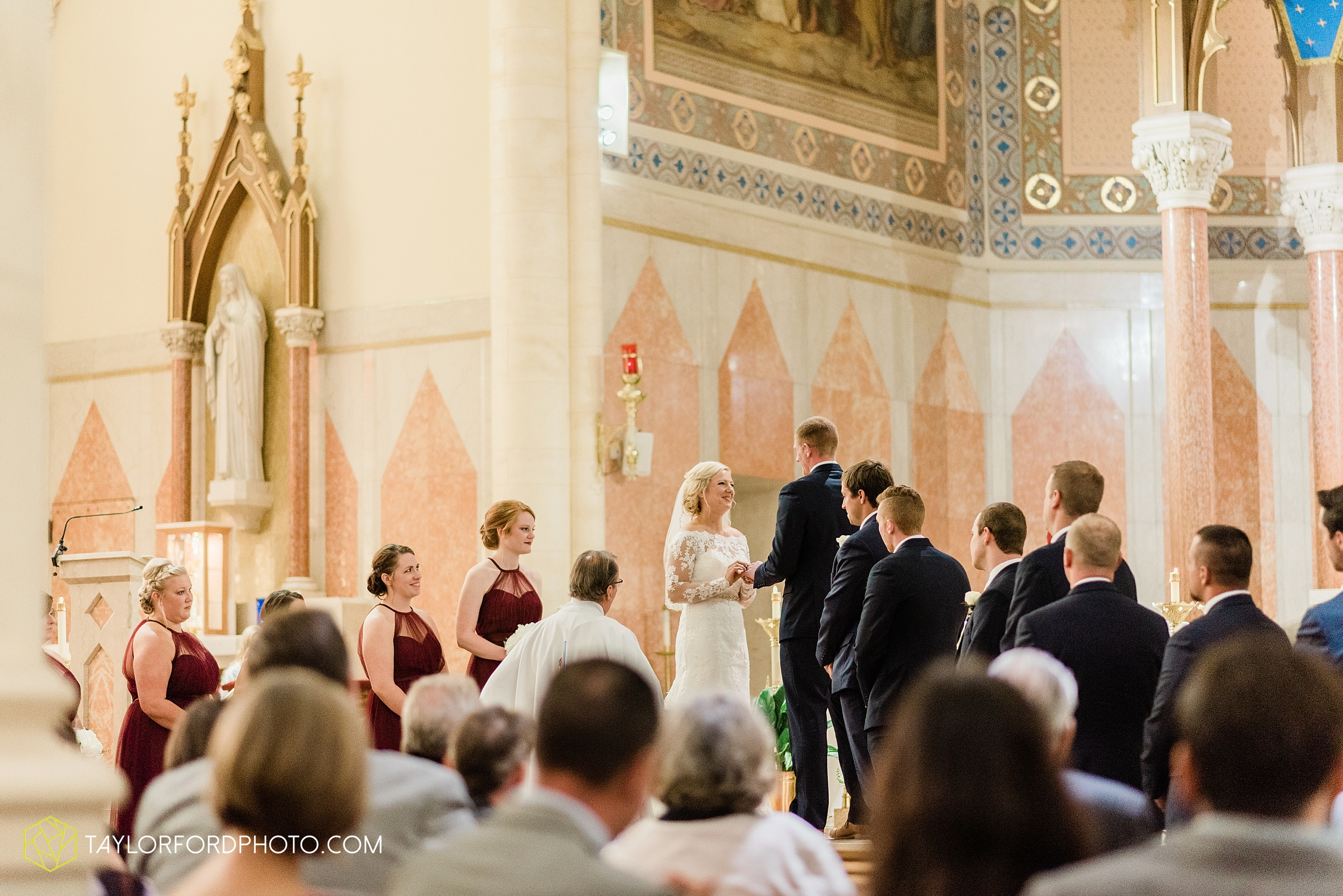 gayle-rayman-mike-steele-ottoville-ohio-wedding-immaculate-conception-parish-center-wedding-sycamore-lake-winery-wannamachers-photographer-taylor-ford-photography_0397.jpg
