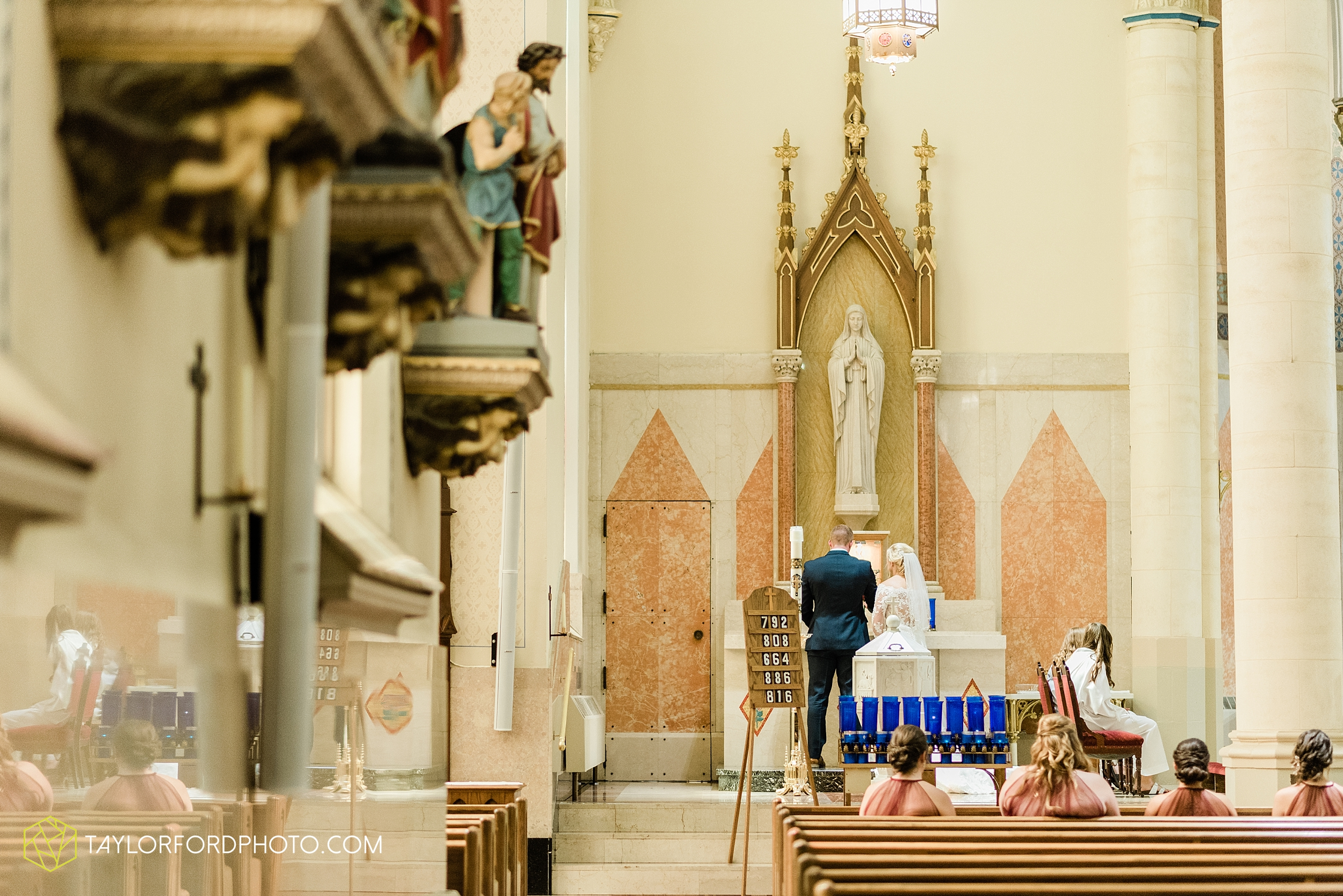 gayle-rayman-mike-steele-ottoville-ohio-wedding-immaculate-conception-parish-center-wedding-sycamore-lake-winery-wannamachers-photographer-taylor-ford-photography_0399.jpg