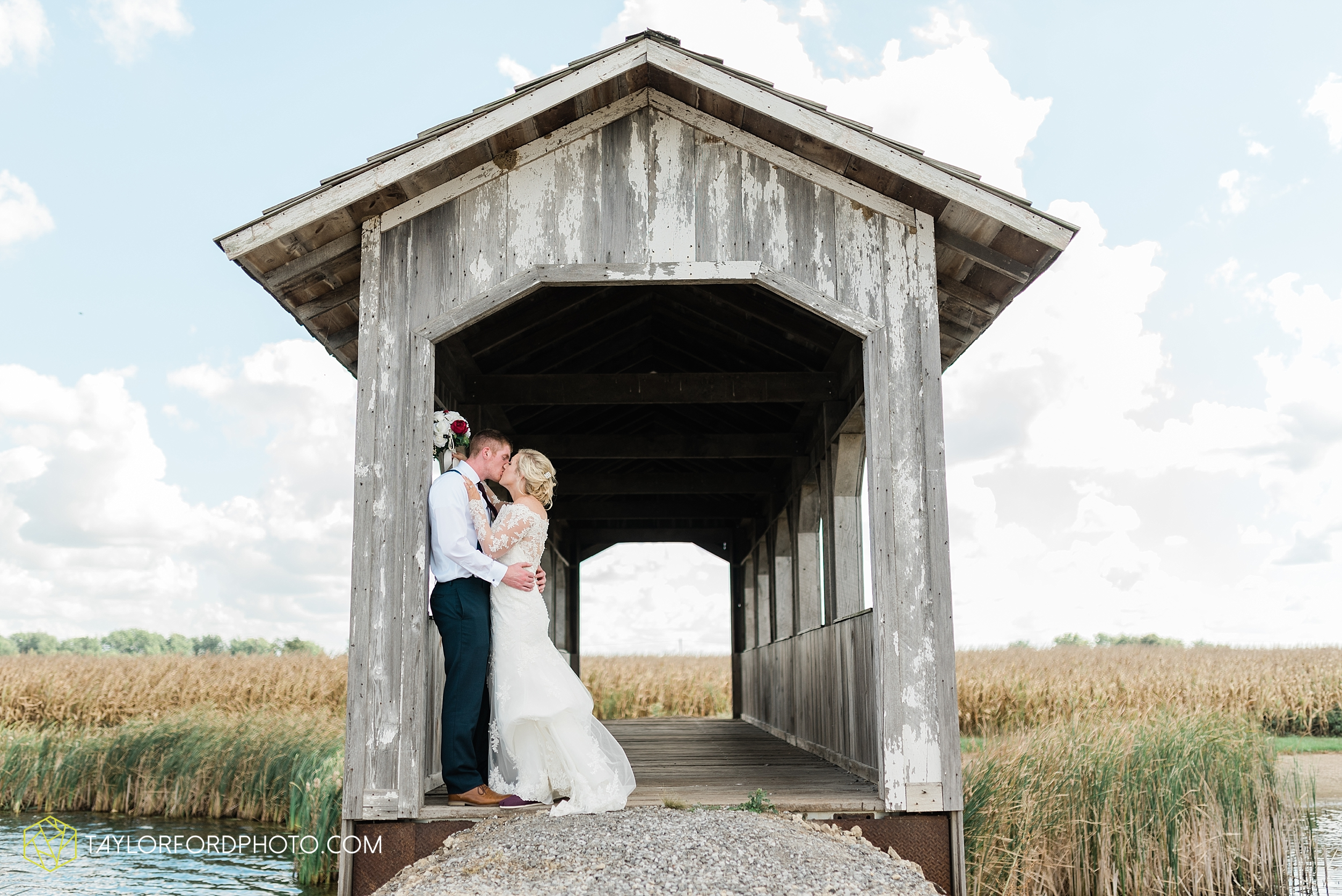 gayle-rayman-mike-steele-ottoville-ohio-wedding-immaculate-conception-parish-center-wedding-sycamore-lake-winery-wannamachers-photographer-taylor-ford-photography_0409.jpg