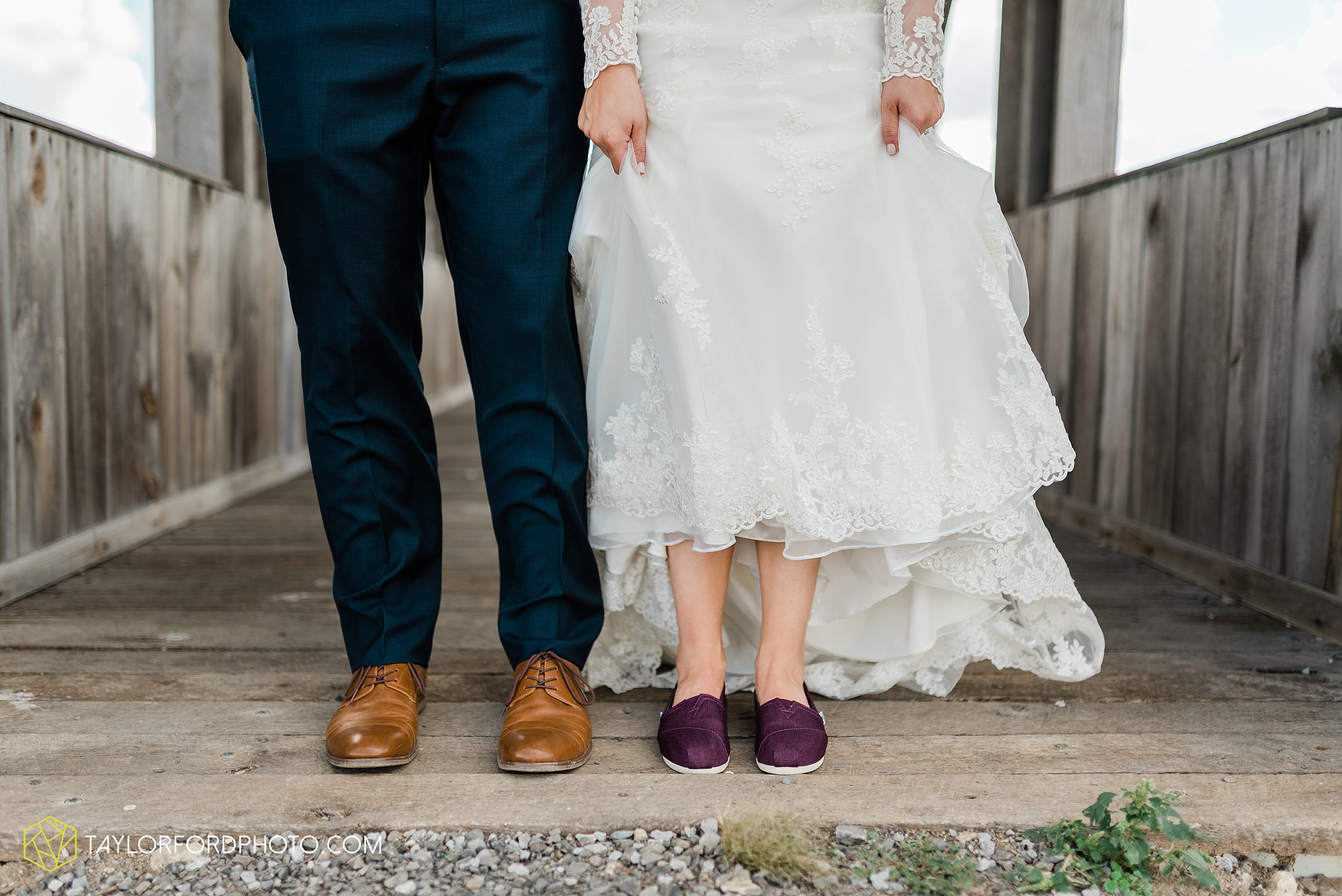 gayle-rayman-mike-steele-ottoville-ohio-wedding-immaculate-conception-parish-center-wedding-sycamore-lake-winery-wannamachers-photographer-taylor-ford-photography_0410.jpg