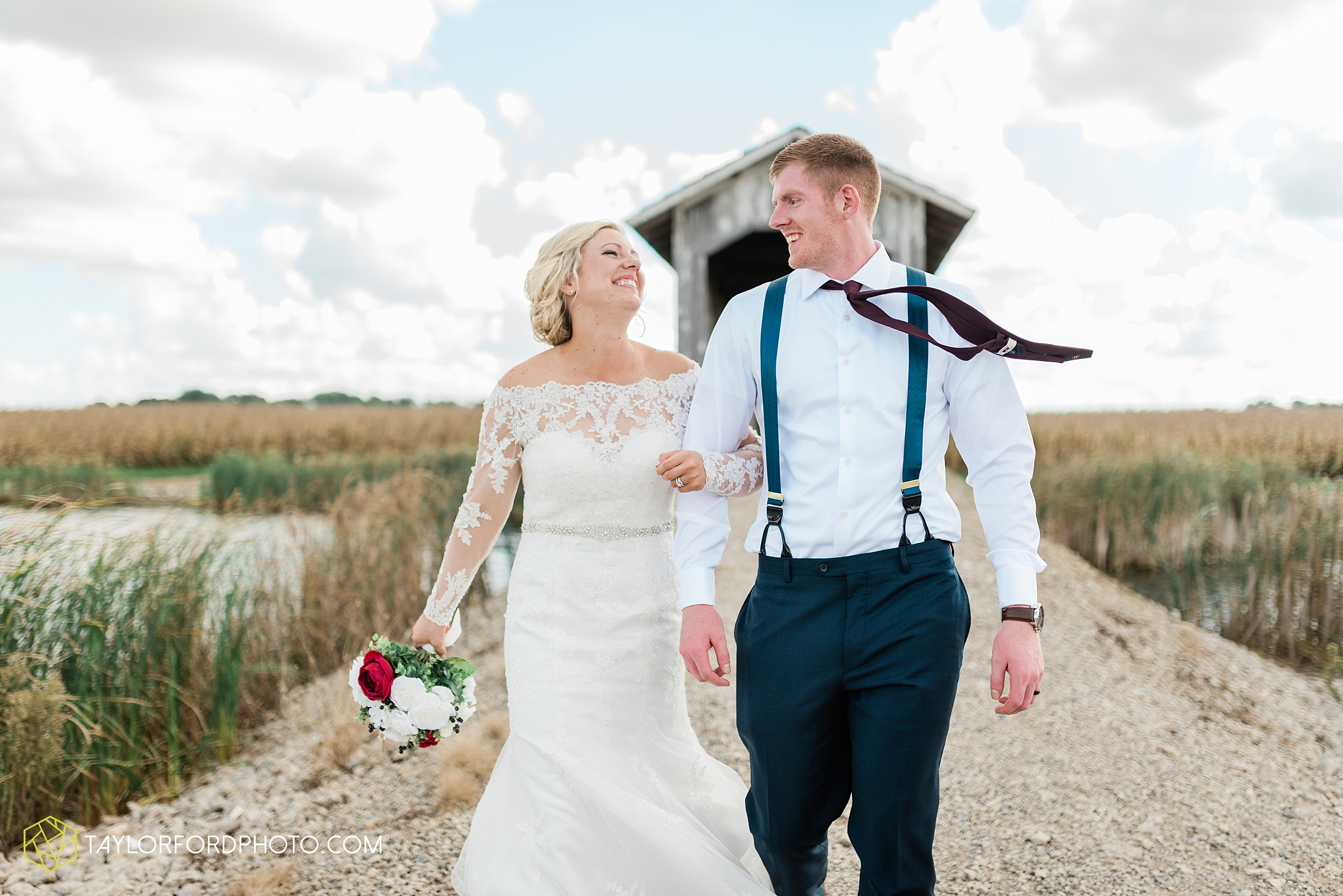 gayle-rayman-mike-steele-ottoville-ohio-wedding-immaculate-conception-parish-center-wedding-sycamore-lake-winery-wannamachers-photographer-taylor-ford-photography_0412.jpg