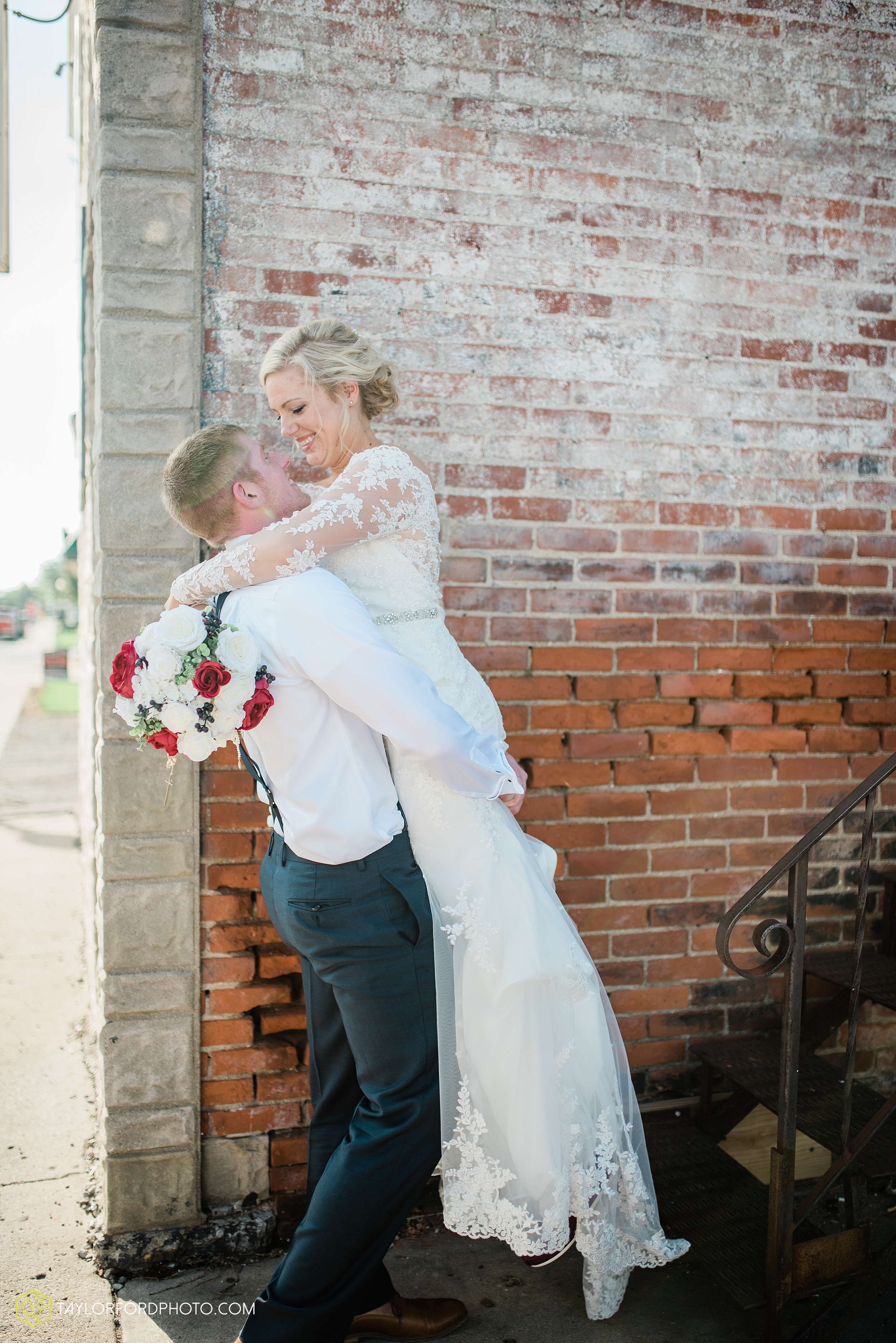 gayle-rayman-mike-steele-ottoville-ohio-wedding-immaculate-conception-parish-center-wedding-sycamore-lake-winery-wannamachers-photographer-taylor-ford-photography_0431.jpg