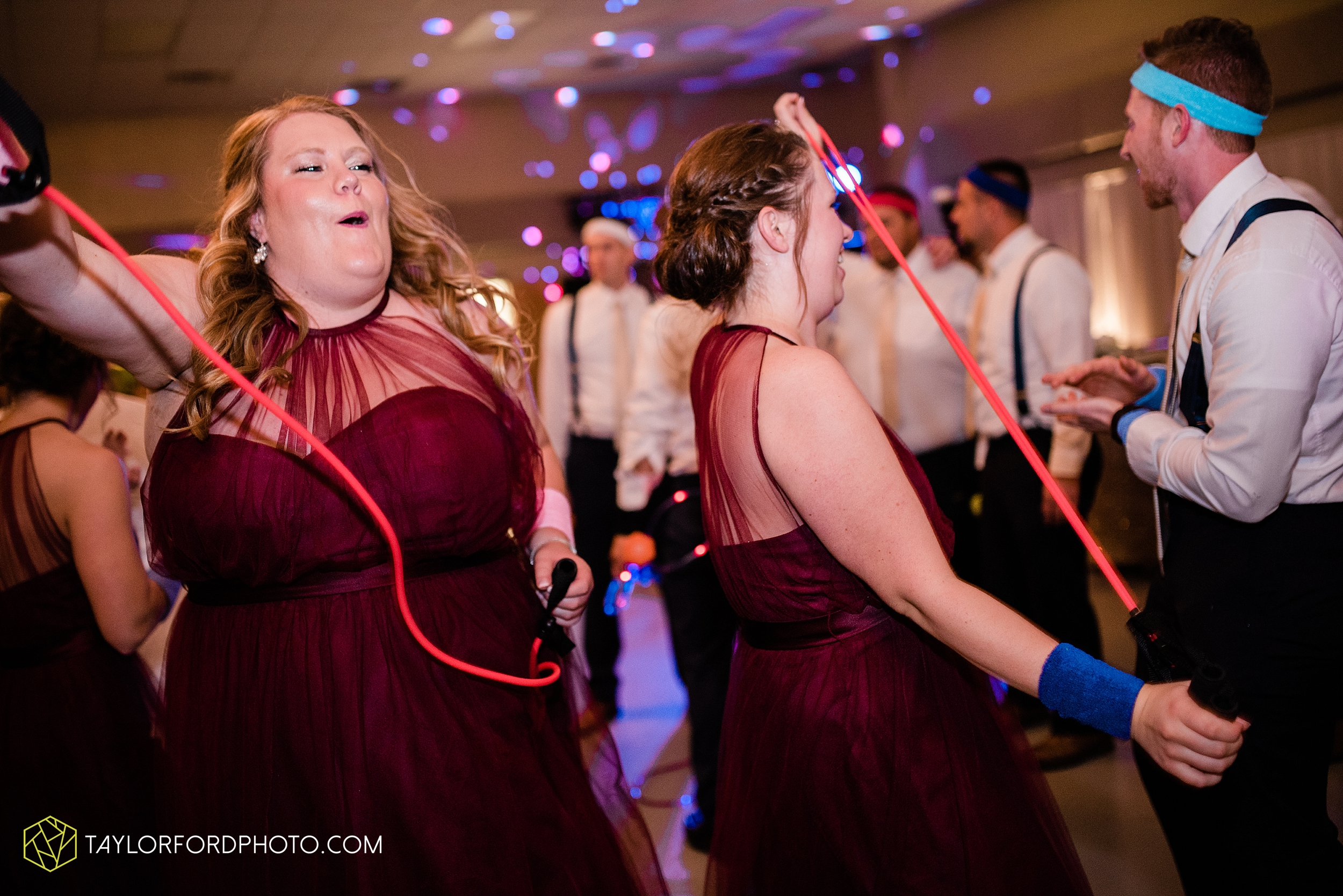 gayle-rayman-mike-steele-ottoville-ohio-wedding-immaculate-conception-parish-center-wedding-sycamore-lake-winery-wannamachers-photographer-taylor-ford-photography_0441.jpg