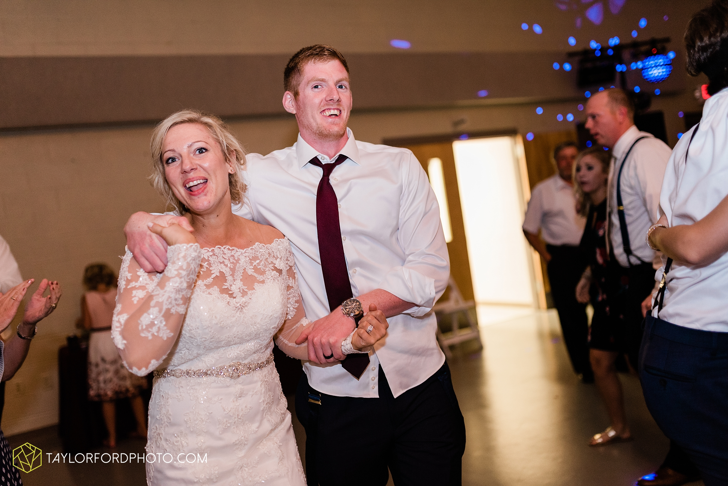 gayle-rayman-mike-steele-ottoville-ohio-wedding-immaculate-conception-parish-center-wedding-sycamore-lake-winery-wannamachers-photographer-taylor-ford-photography_0447.jpg