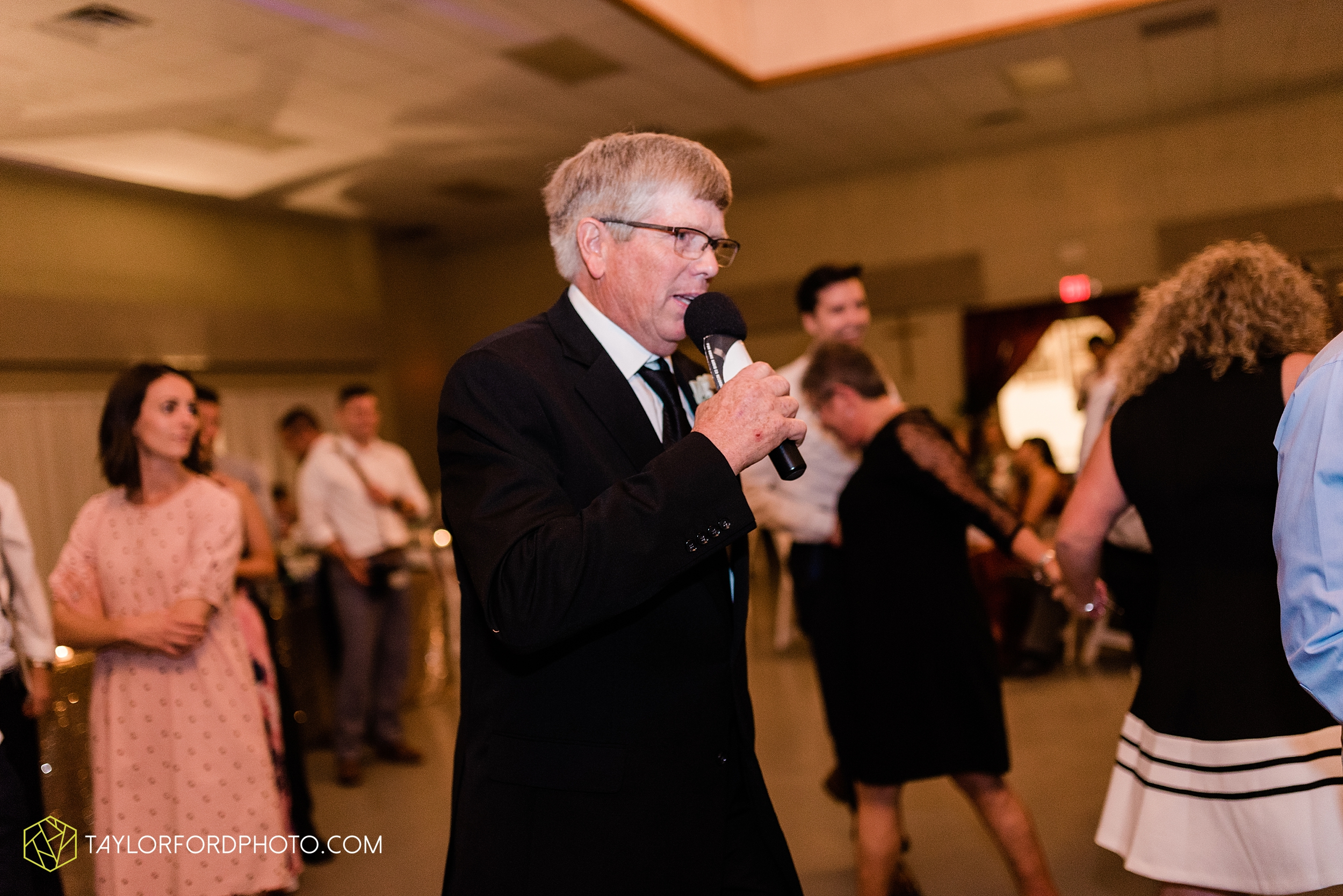 gayle-rayman-mike-steele-ottoville-ohio-wedding-immaculate-conception-parish-center-wedding-sycamore-lake-winery-wannamachers-photographer-taylor-ford-photography_0448.jpg