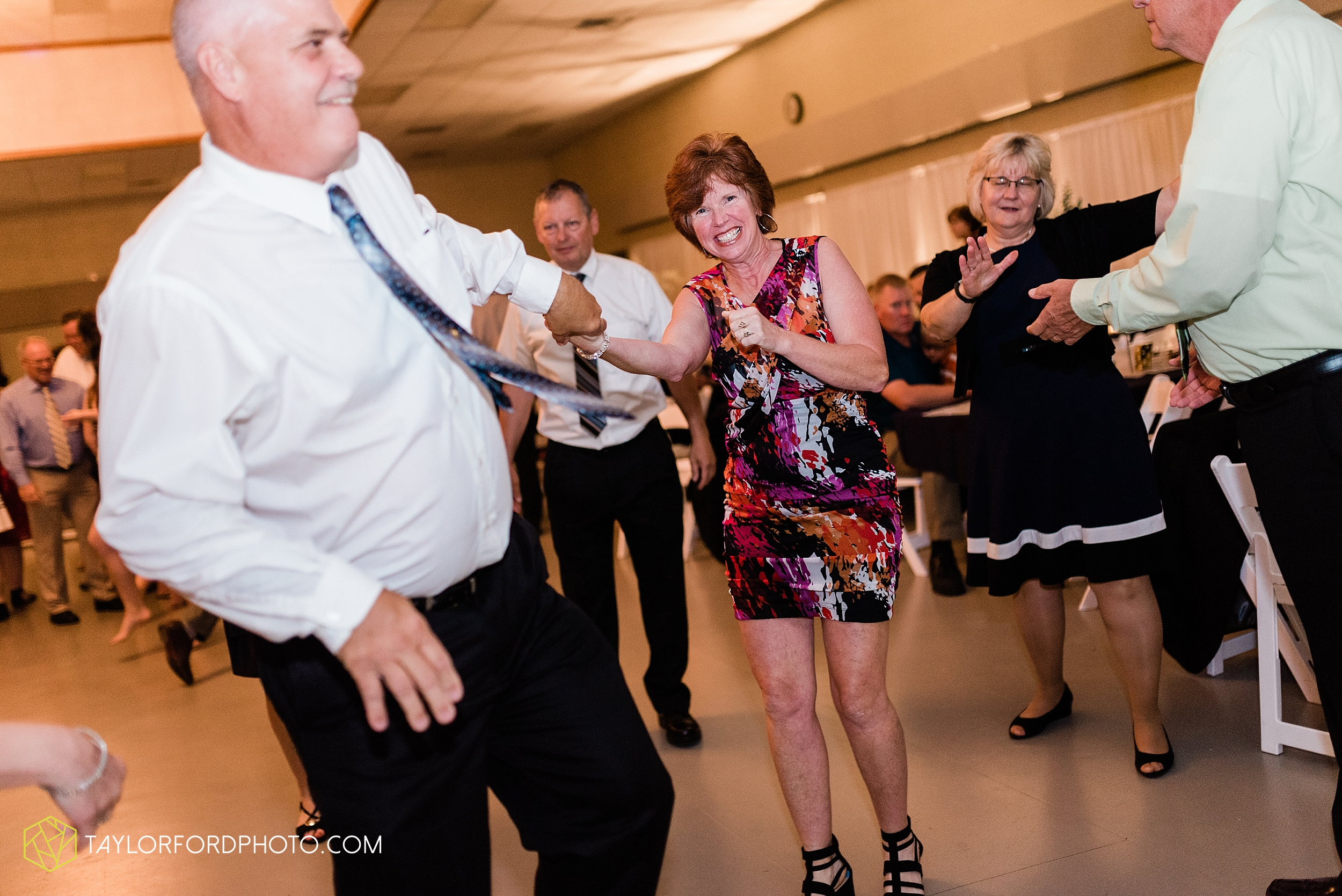 gayle-rayman-mike-steele-ottoville-ohio-wedding-immaculate-conception-parish-center-wedding-sycamore-lake-winery-wannamachers-photographer-taylor-ford-photography_0451.jpg