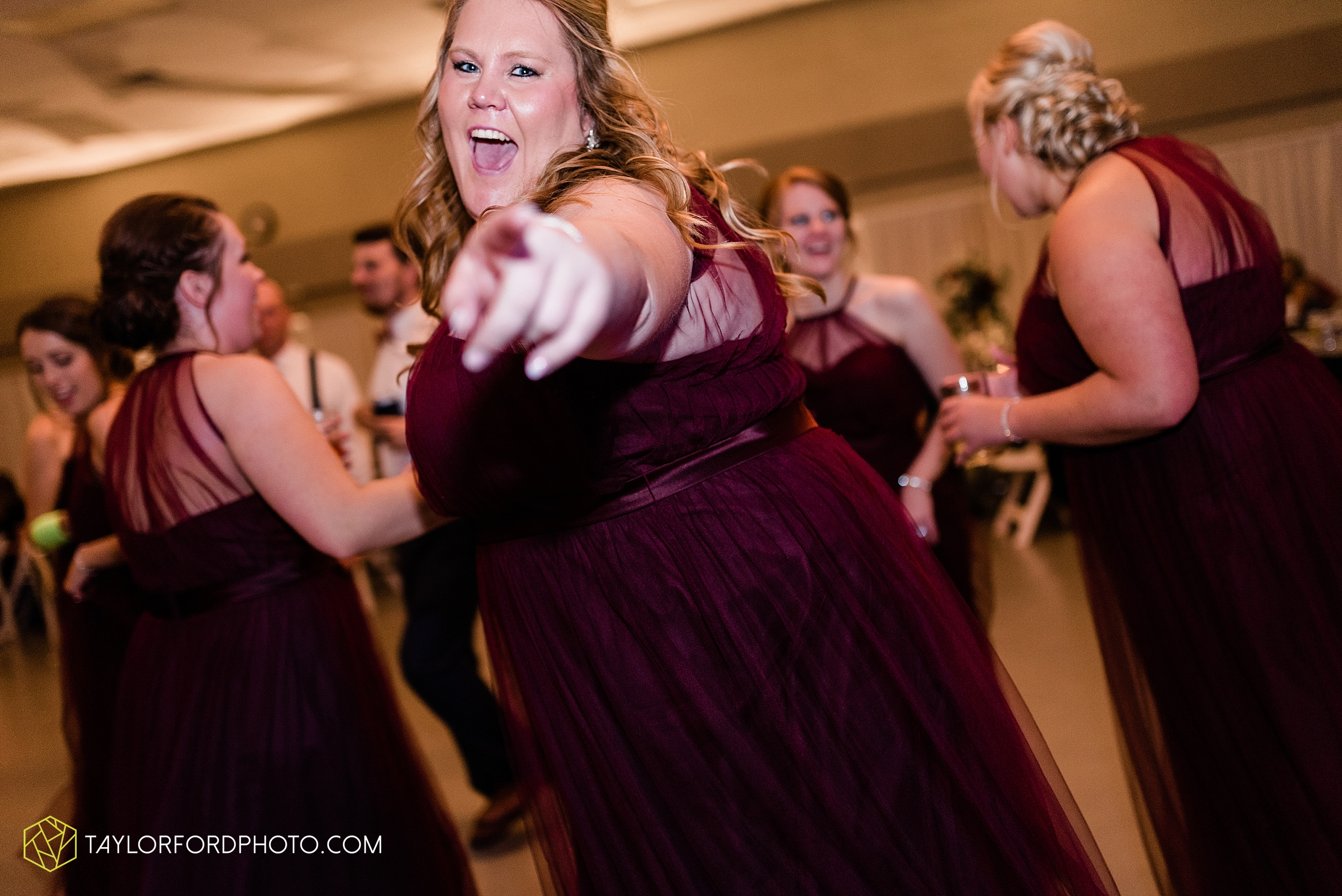 gayle-rayman-mike-steele-ottoville-ohio-wedding-immaculate-conception-parish-center-wedding-sycamore-lake-winery-wannamachers-photographer-taylor-ford-photography_0455.jpg