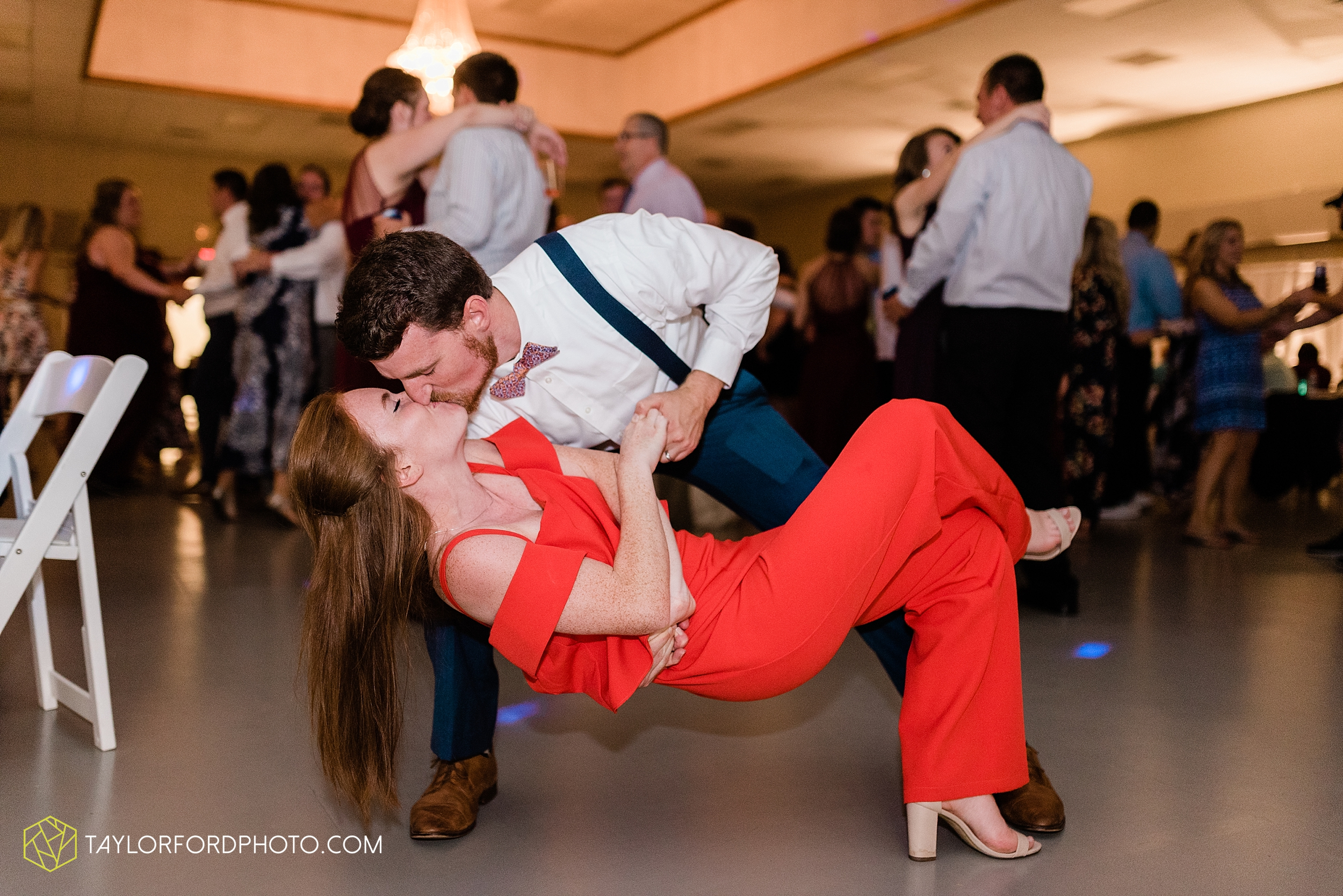 gayle-rayman-mike-steele-ottoville-ohio-wedding-immaculate-conception-parish-center-wedding-sycamore-lake-winery-wannamachers-photographer-taylor-ford-photography_0459.jpg
