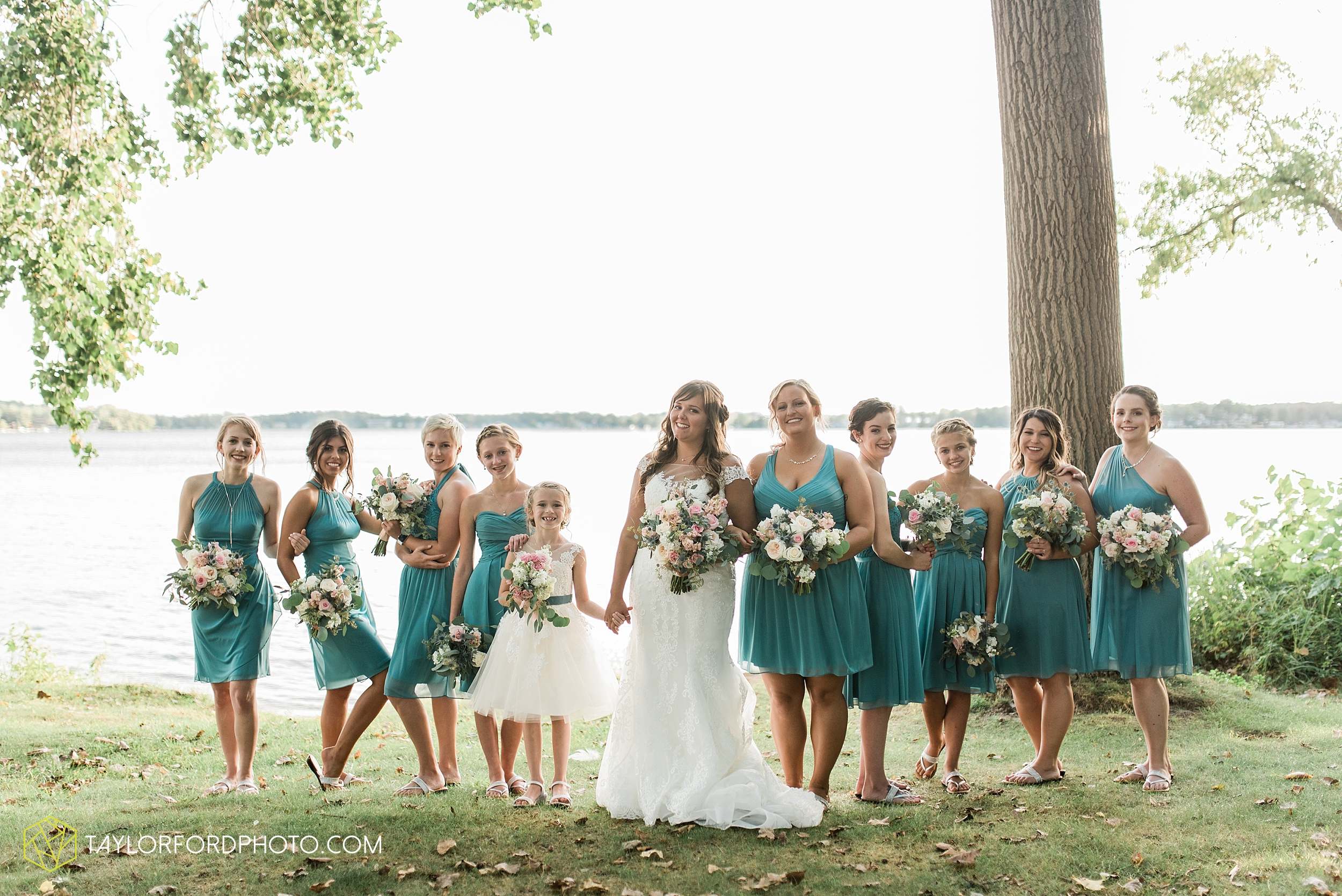 brook-loren-pokagon-state-park-angola-indiana-potowatomi-inn-wedding-fall-lake-james-photographer-taylor-ford-photography_0536.jpg