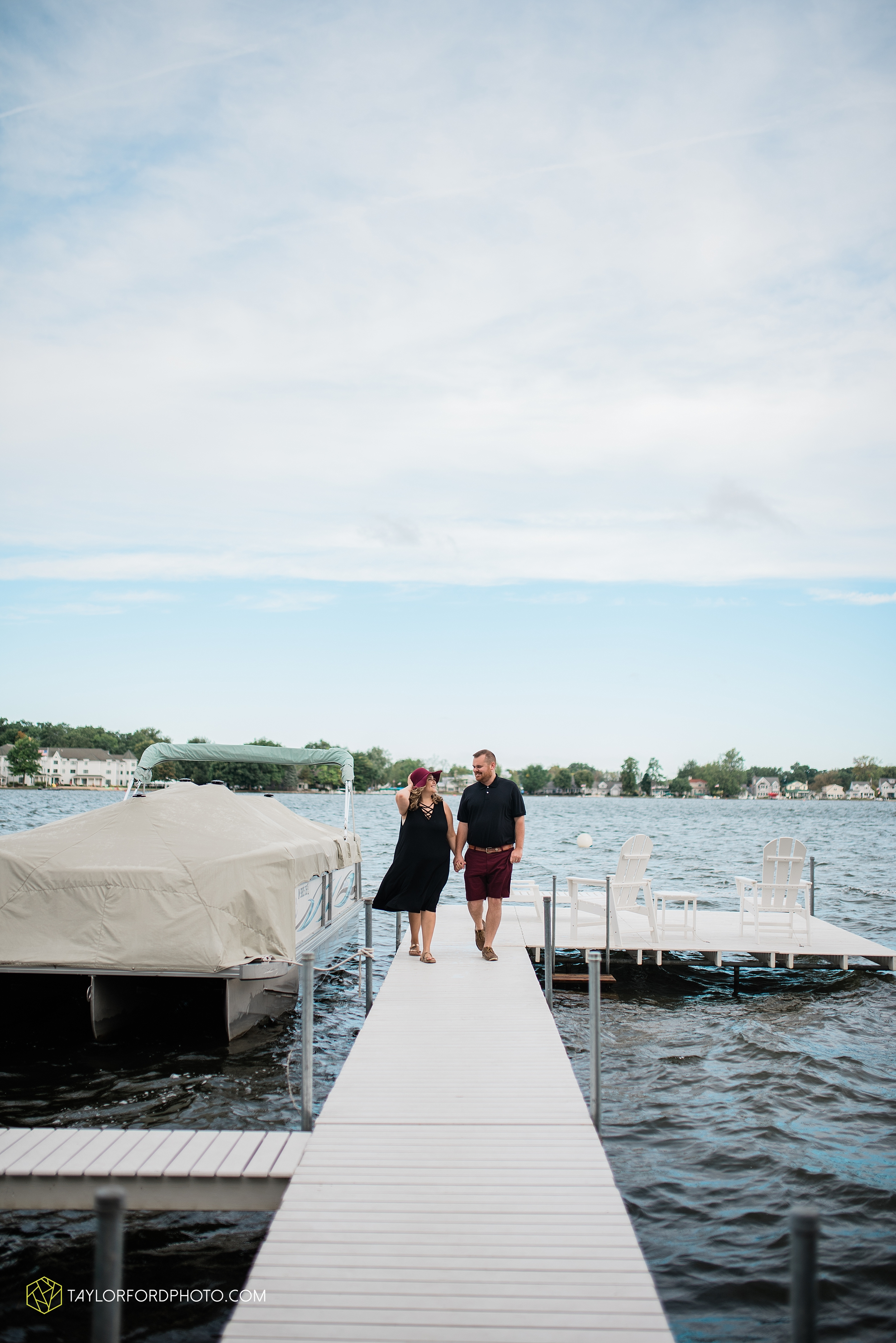 lake-wawasee-conklin-bay-lifestyle-family-september-late-fall-photographer-taylor-ford-photography_0609.jpg