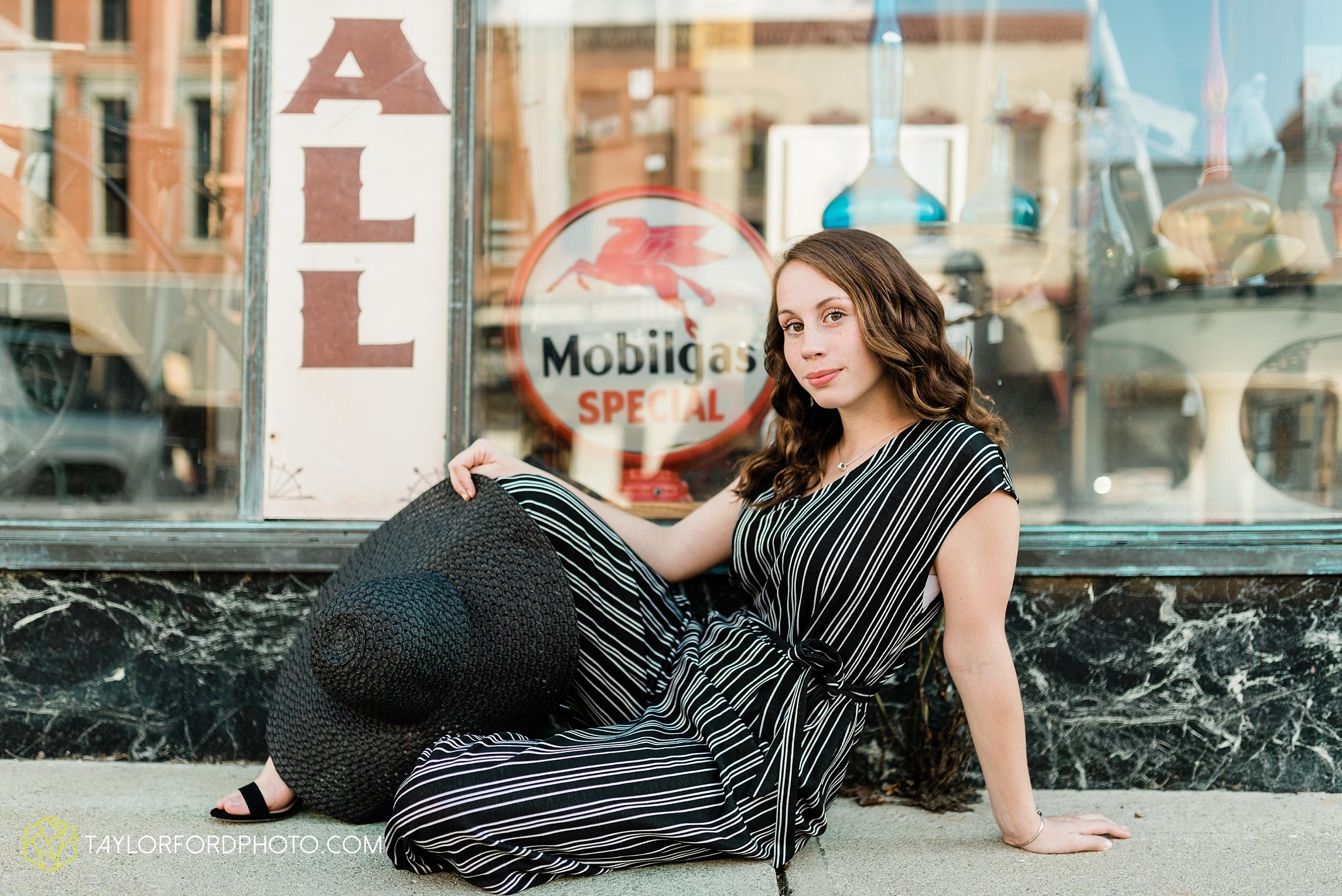 van-wert-high-school-ohio-senior-girl-downtown-cougar-photographer-taylor-ford-photography_0923.jpg