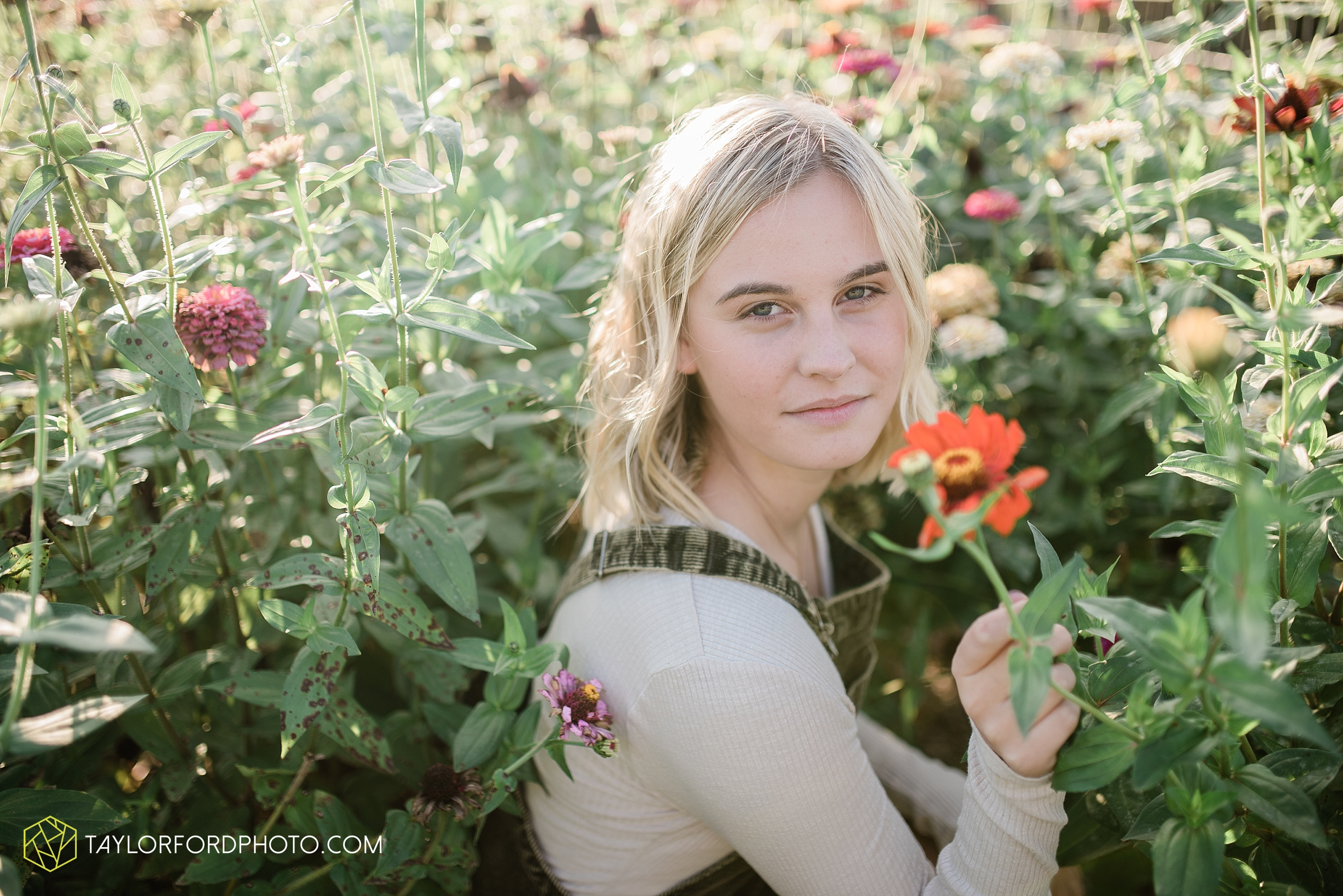 van-wert-high-school-ohio-senior-girl-downtown-cougar-photographer-taylor-ford-photography_0941.jpg