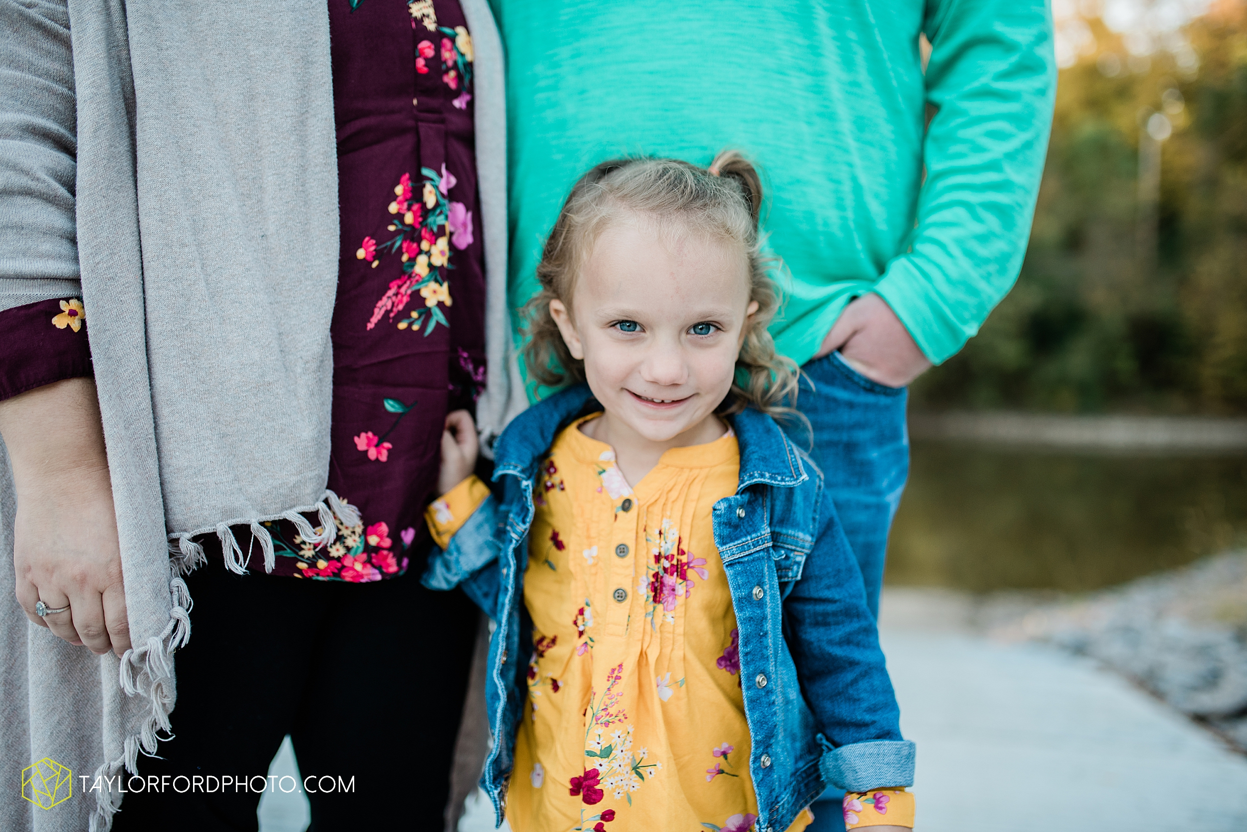 hogan-northeast-fort-wayne-indiana-family-fall-photographer-taylor-ford-photography_1371.jpg