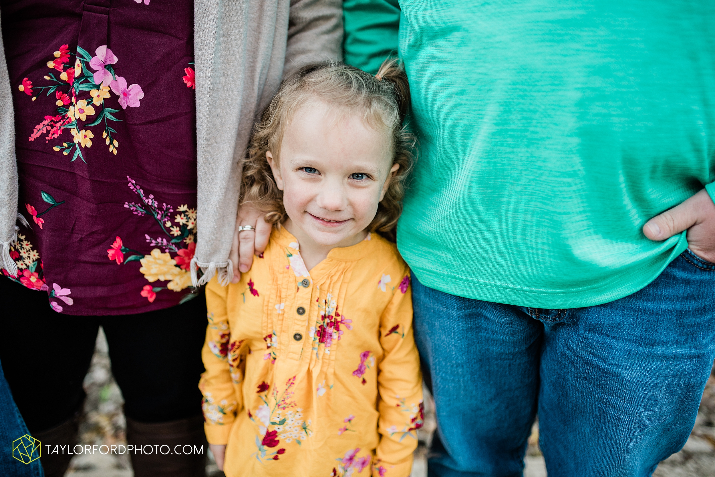 hogan-northeast-fort-wayne-indiana-family-fall-photographer-taylor-ford-photography_1381.jpg
