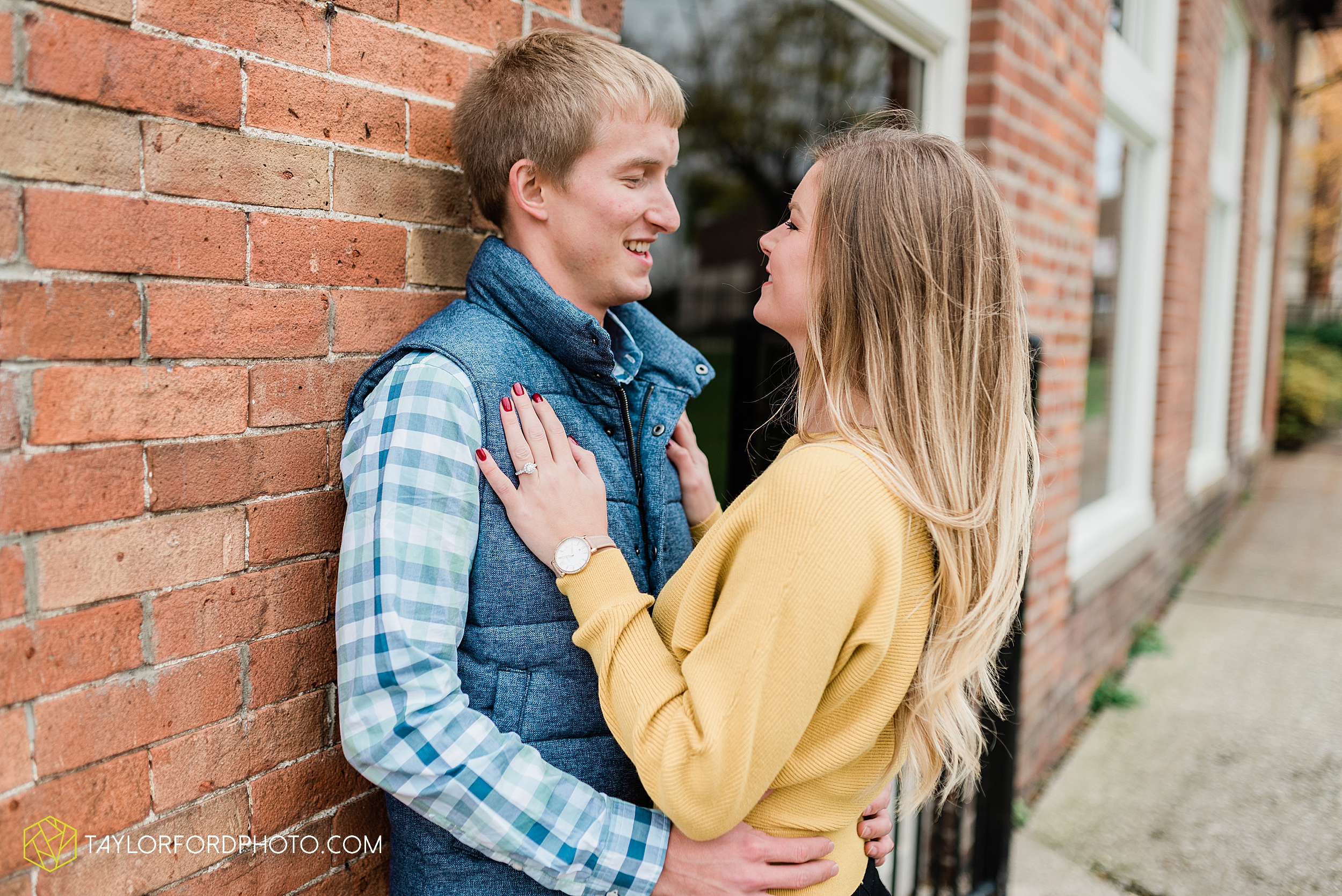 joce-chris-downtown-toledo-museum-of-art-engagement-fall-photographer-taylor-ford-photography_1485.jpg