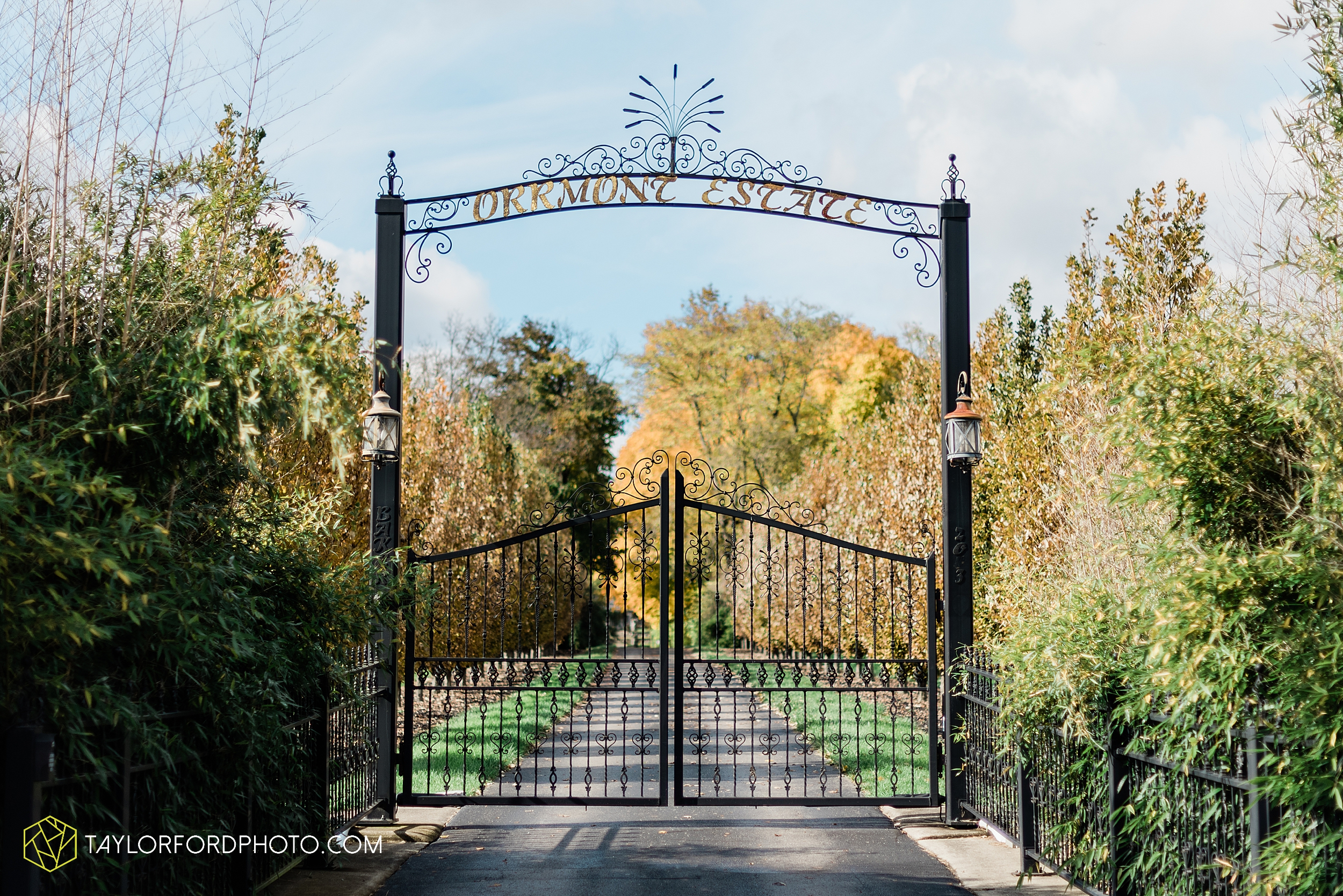 marissa-nicole-nick-daeger-orrmont-estate-farm-wedding-piqua-dayton-troy-ohio-fall-photographer-taylor-ford-photography_1497.jpg