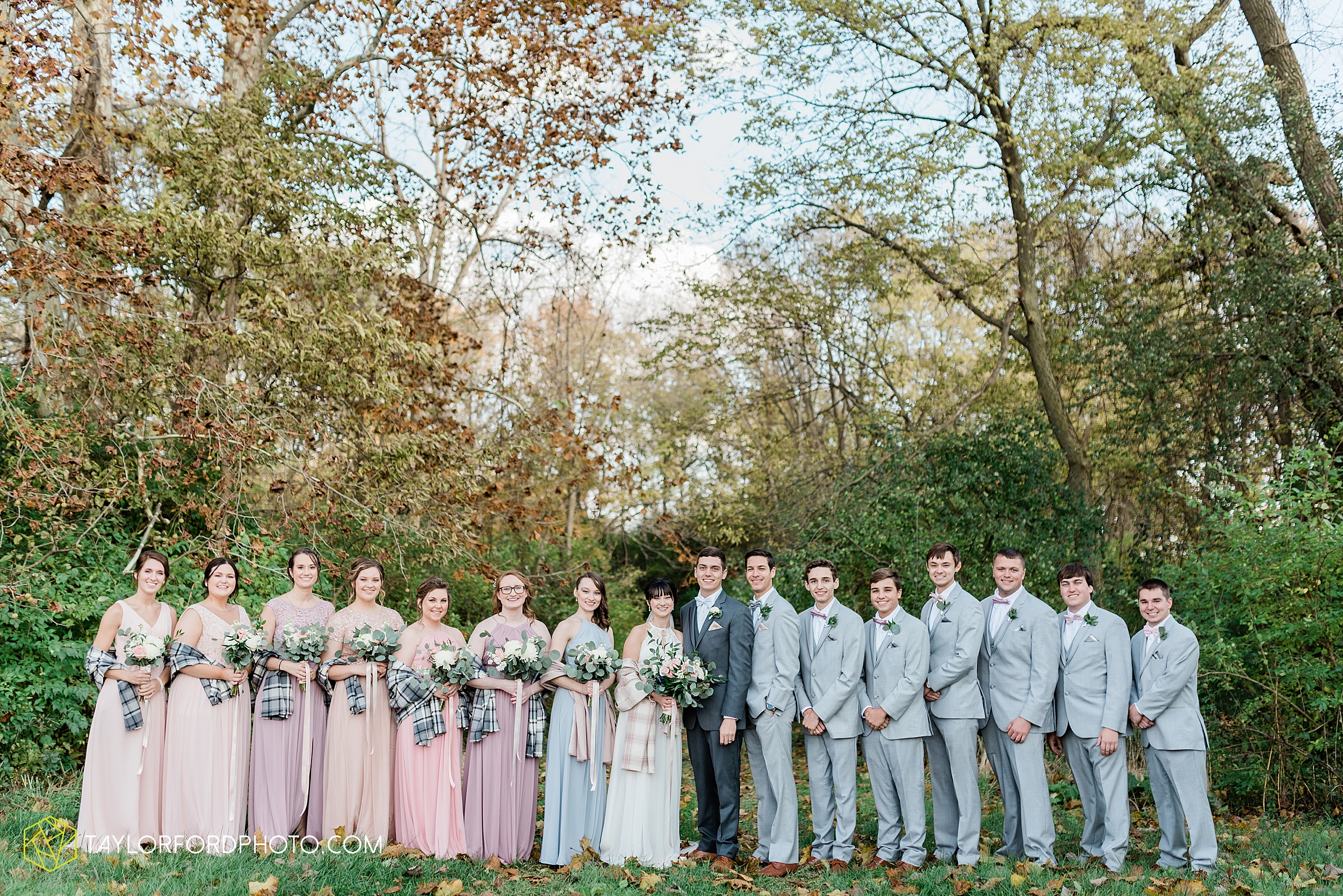 marissa-nicole-nick-daeger-orrmont-estate-farm-wedding-piqua-dayton-troy-ohio-fall-photographer-taylor-ford-photography_1531.jpg