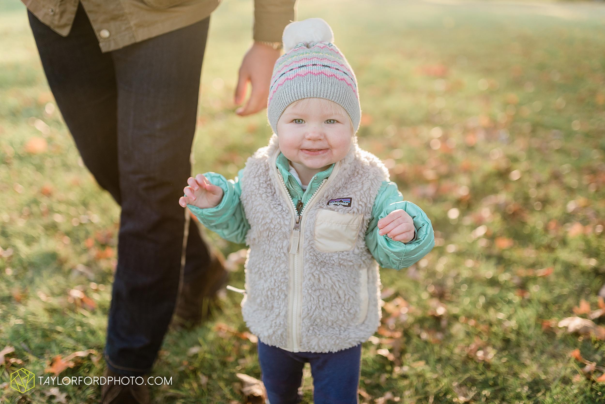 purmort-backyard-van-wert-ohio-fall-family-photographer-taylor-ford-hirschy-photographer_1675.jpg